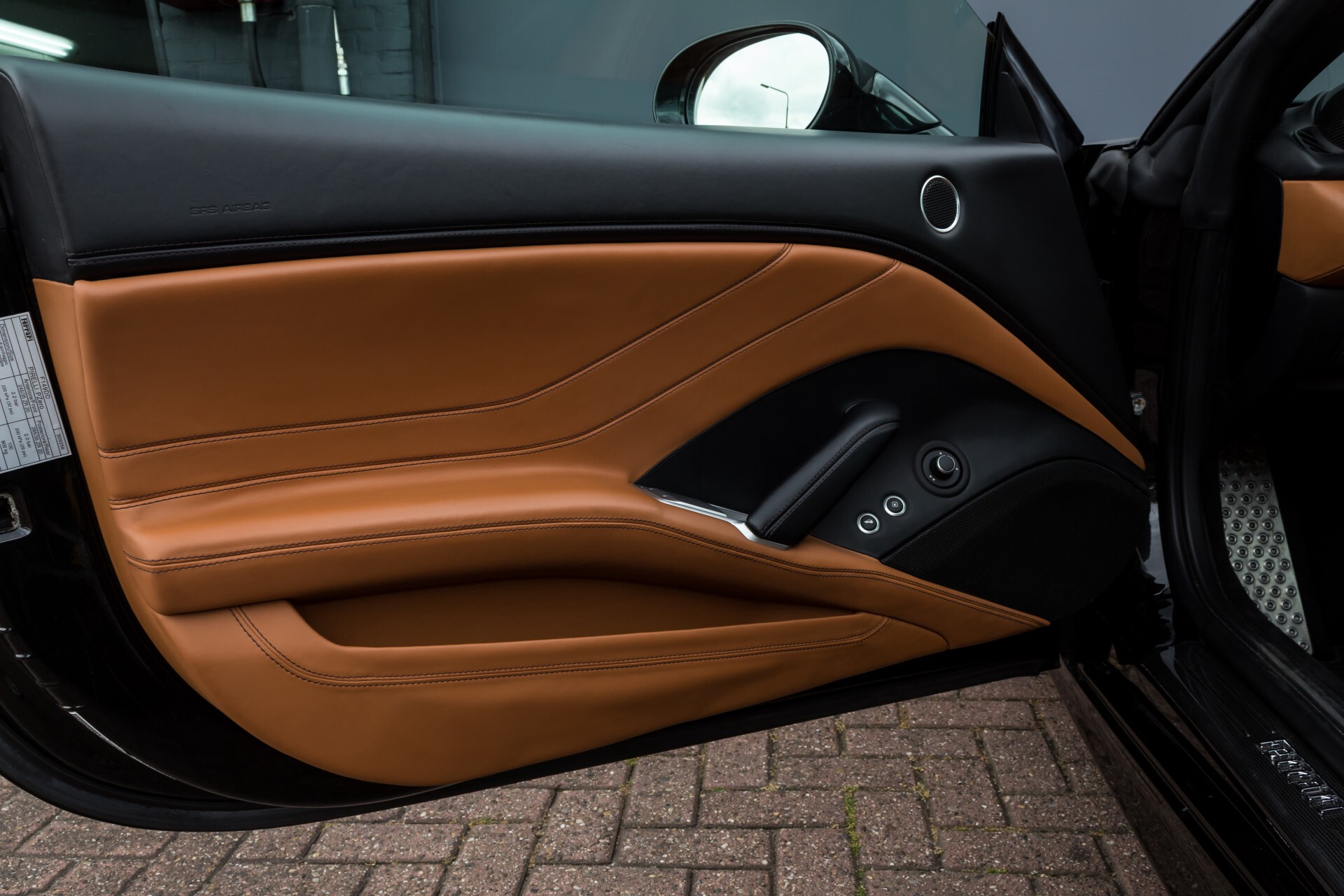 Ferrari California 3.9 T Full Carbon Nieuwprijs: €284081 Foto 35