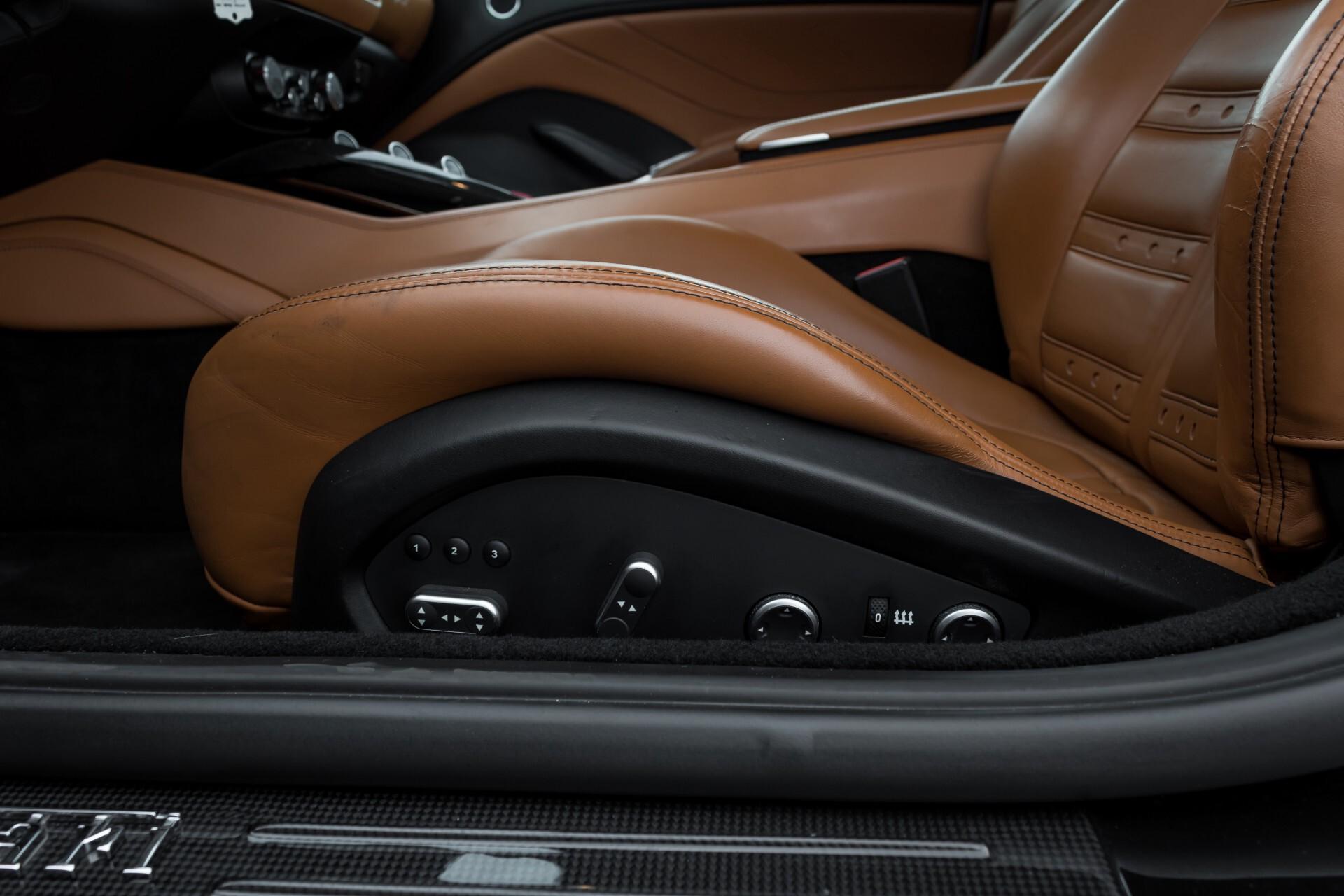 Ferrari California 3.9 T Full Carbon Nieuwprijs: €284081 Foto 36