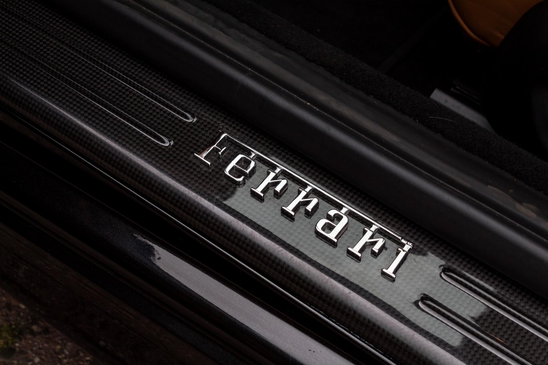 Ferrari California 3.9 T Full Carbon Nieuwprijs: €284081 Foto 37