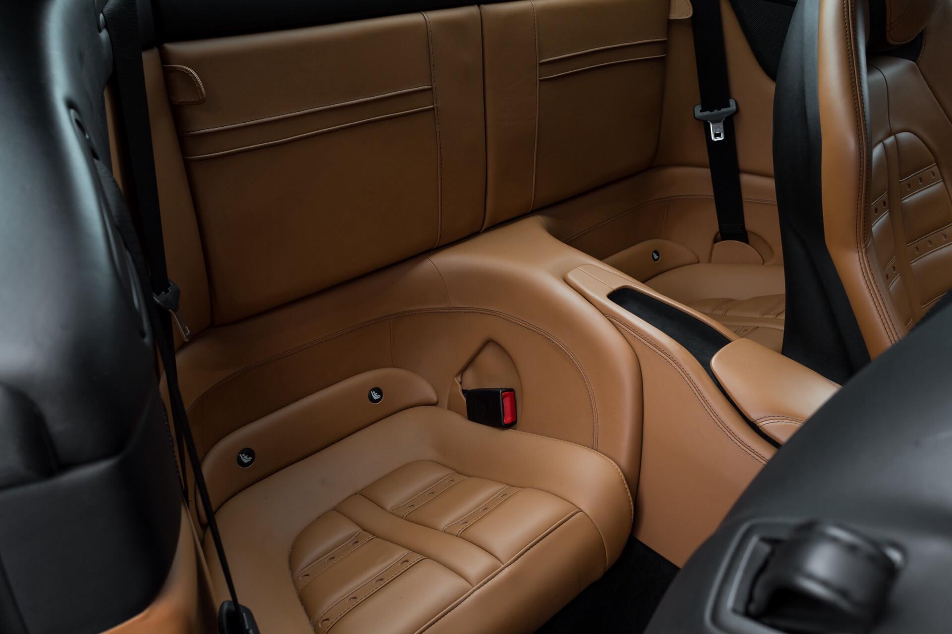 Ferrari California 3.9 T Full Carbon Nieuwprijs: €284081 Foto 44