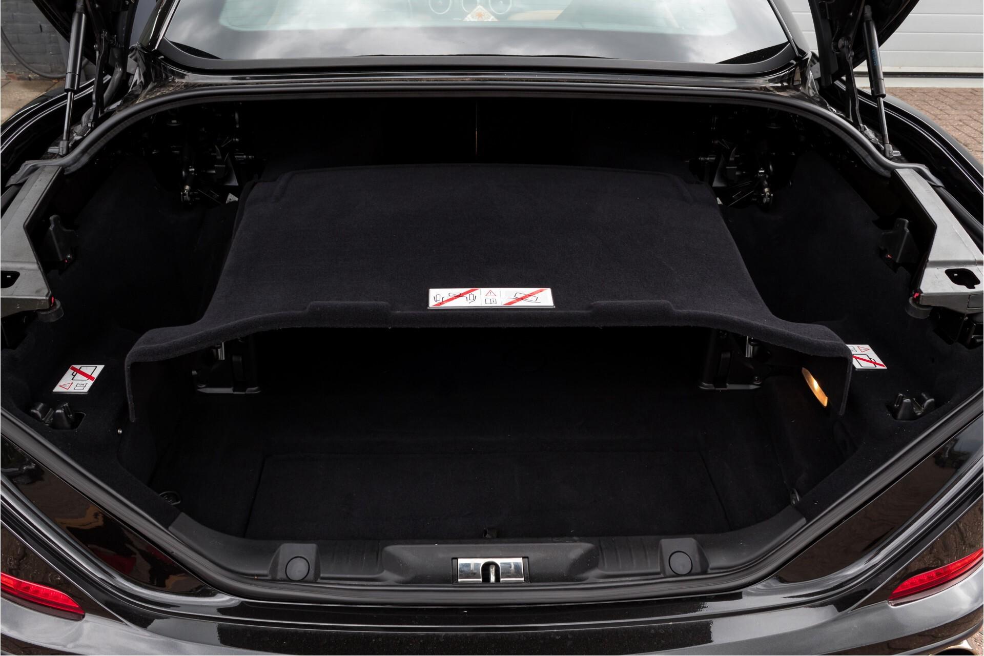 Ferrari California 3.9 T Full Carbon Nieuwprijs: €284081 Foto 49