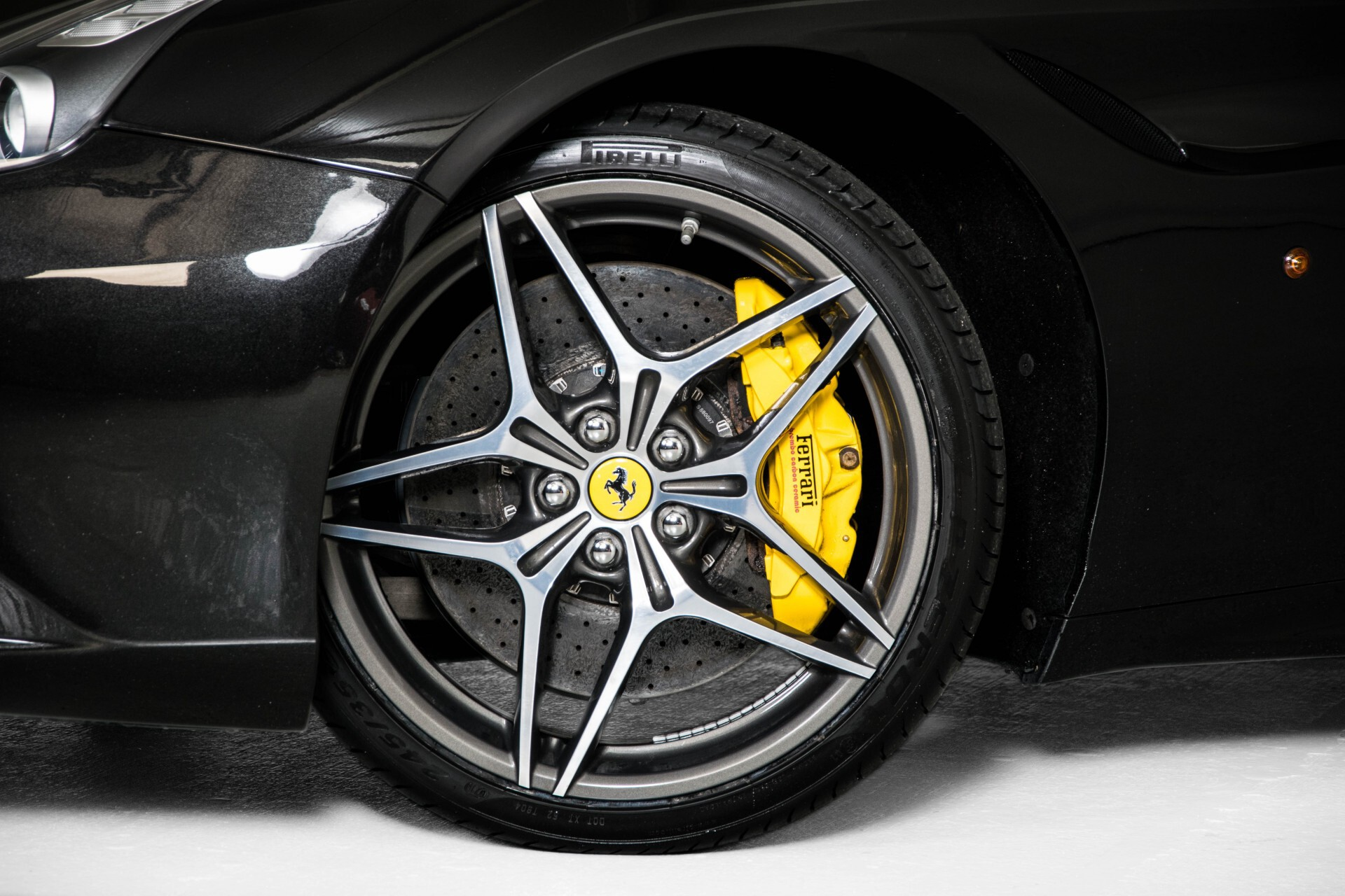 Ferrari California 3.9 T Full Carbon Nieuwprijs: €284081 Foto 53
