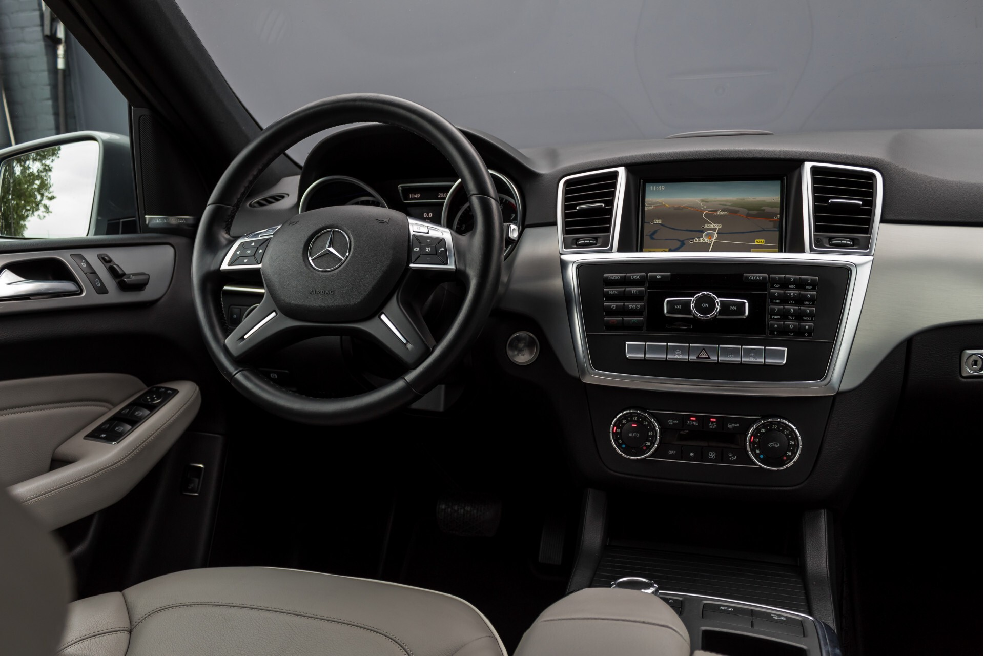 Mercedes-Benz M-Klasse 350 AMG 4-M Panorama/Keyless/Harman-Kardon/Camera/Trekhaak Aut7 Foto 7