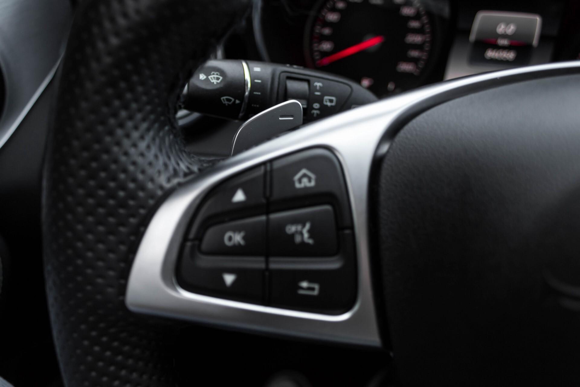 Mercedes-Benz C-Klasse Estate 200d AMG Night Wegkl-Trekhaak/LED/Dodehoekassistent/Verw Stln Aut7 Foto 11