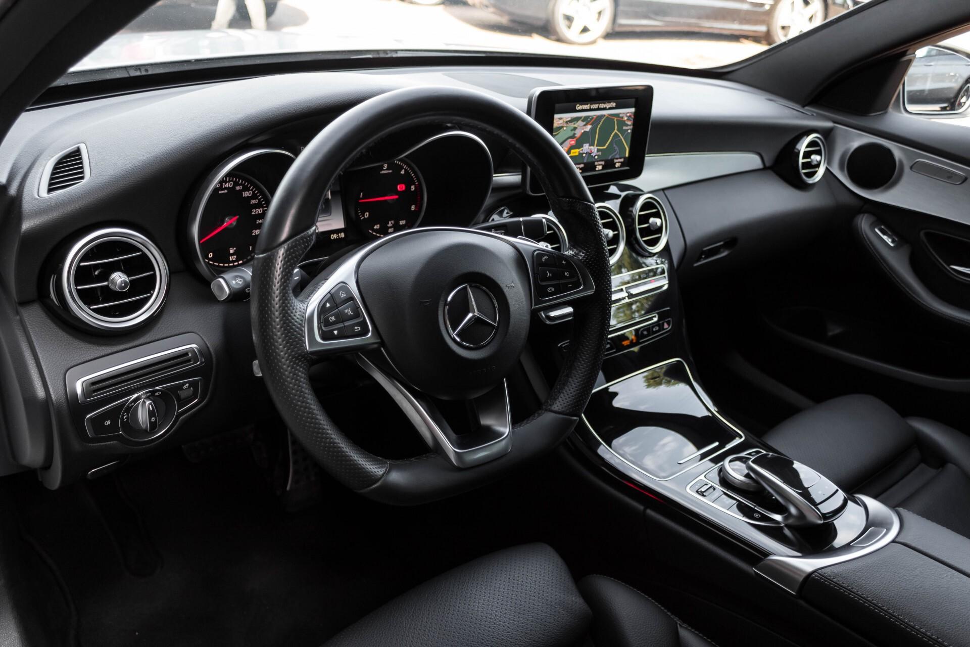 Mercedes-Benz C-Klasse Estate 200d AMG Night Wegkl-Trekhaak/LED/Dodehoekassistent/Verw Stln Aut7 Foto 16