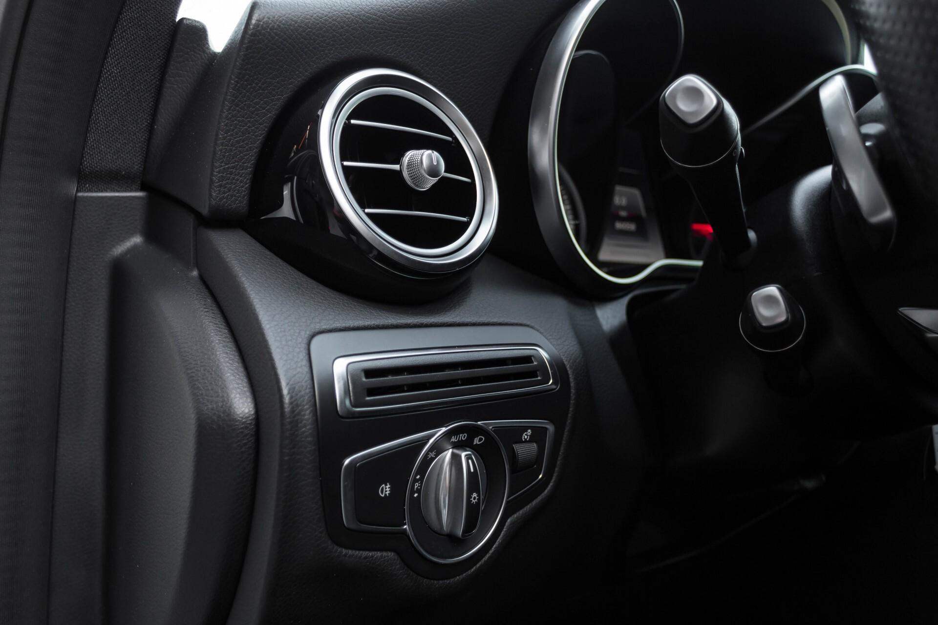 Mercedes-Benz C-Klasse Estate 200d AMG Night Wegkl-Trekhaak/LED/Dodehoekassistent/Verw Stln Aut7 Foto 18