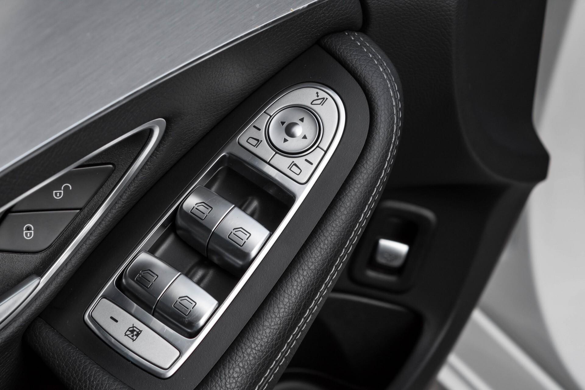 Mercedes-Benz C-Klasse Estate 200d AMG Night Wegkl-Trekhaak/LED/Dodehoekassistent/Verw Stln Aut7 Foto 28