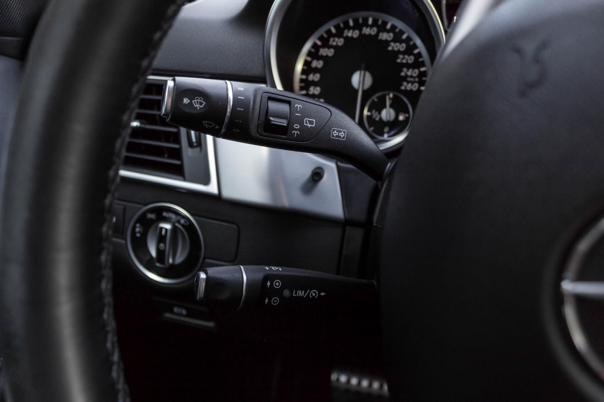 Mercedes-Benz M-Klasse 350 Bluetec 4-M Luchtvering/Schuifdak/ILS/Trekhaak/Comand Aut7 Foto 11