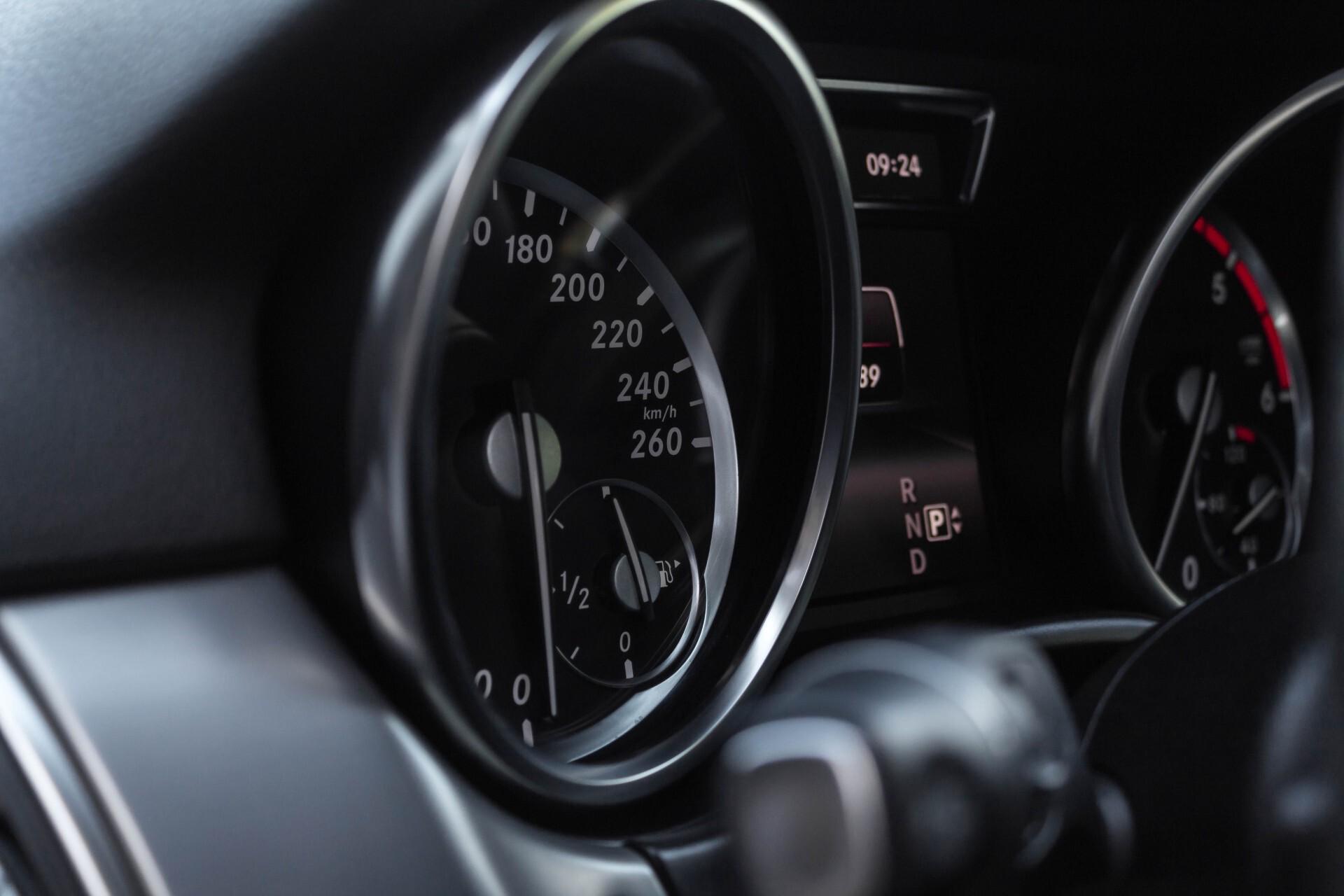 Mercedes-Benz M-Klasse 350 Bluetec 4-M Luchtvering/Schuifdak/ILS/Trekhaak/Comand Aut7 Foto 17