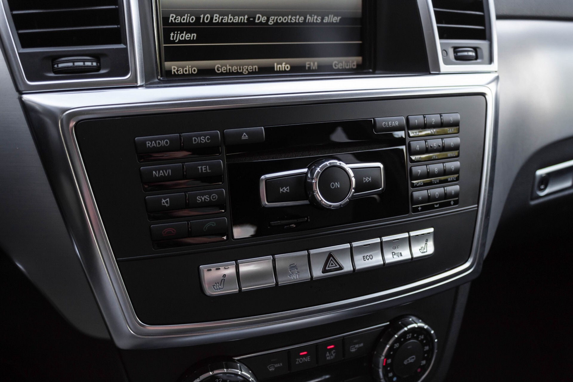 Mercedes-Benz M-Klasse 350 Bluetec 4-M Luchtvering/Schuifdak/ILS/Trekhaak/Comand Aut7 Foto 37
