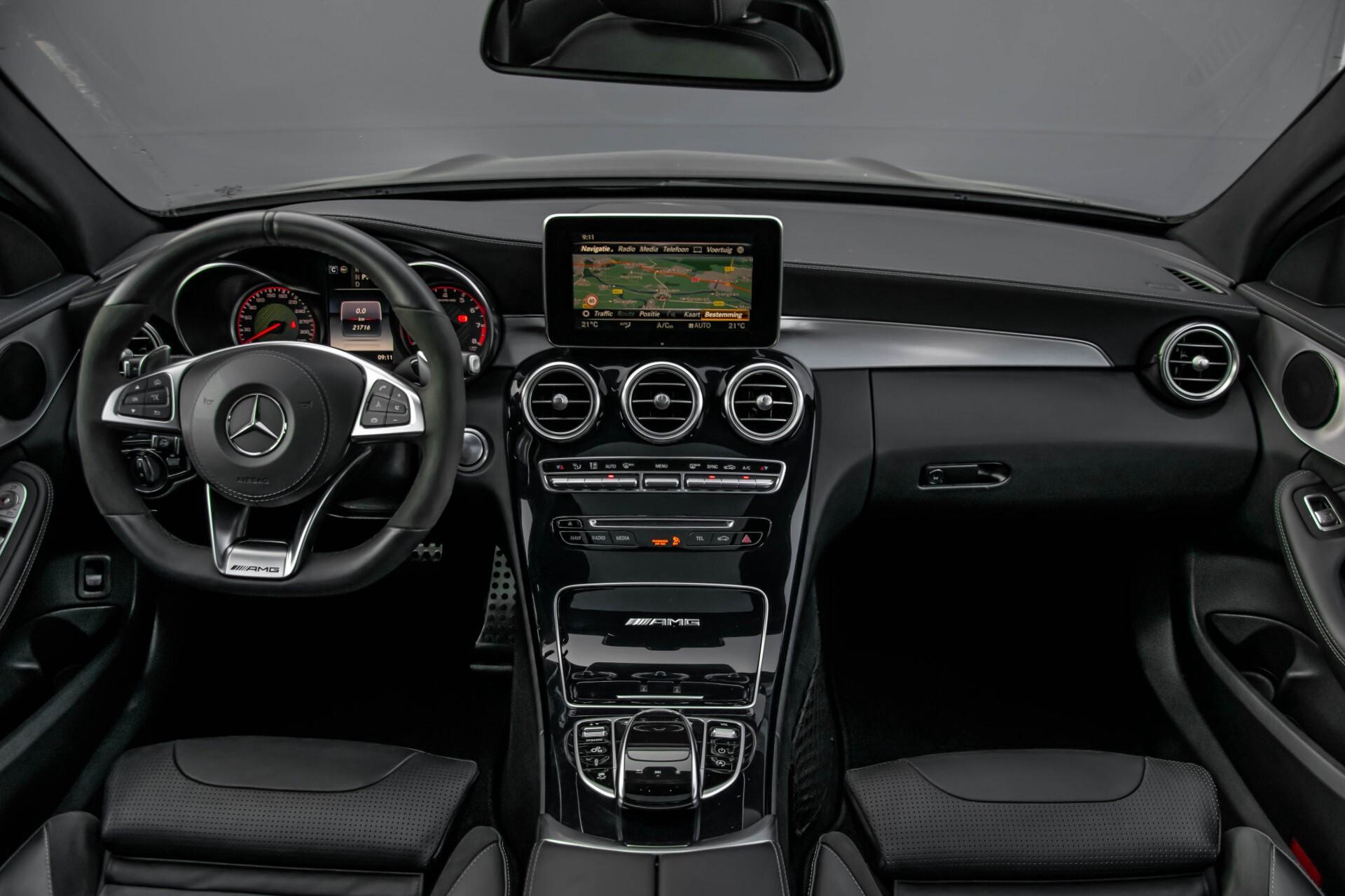Mercedes-Benz C-Klasse 63 AMG S Panorama/Distronic/Keyless/Comand/Camera/ILS Aut7 Foto 6
