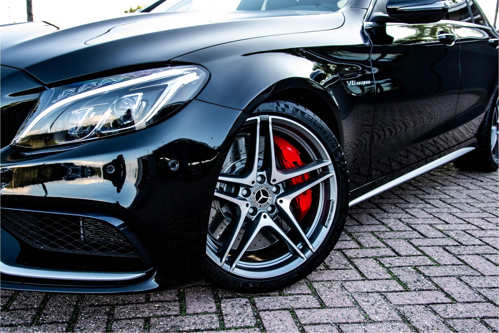 Mercedes-Benz C-Klasse 63 AMG S Akrapovic/Panorama/Distronic/Keyless/Comand/Camera/ILS Aut7 Foto 64