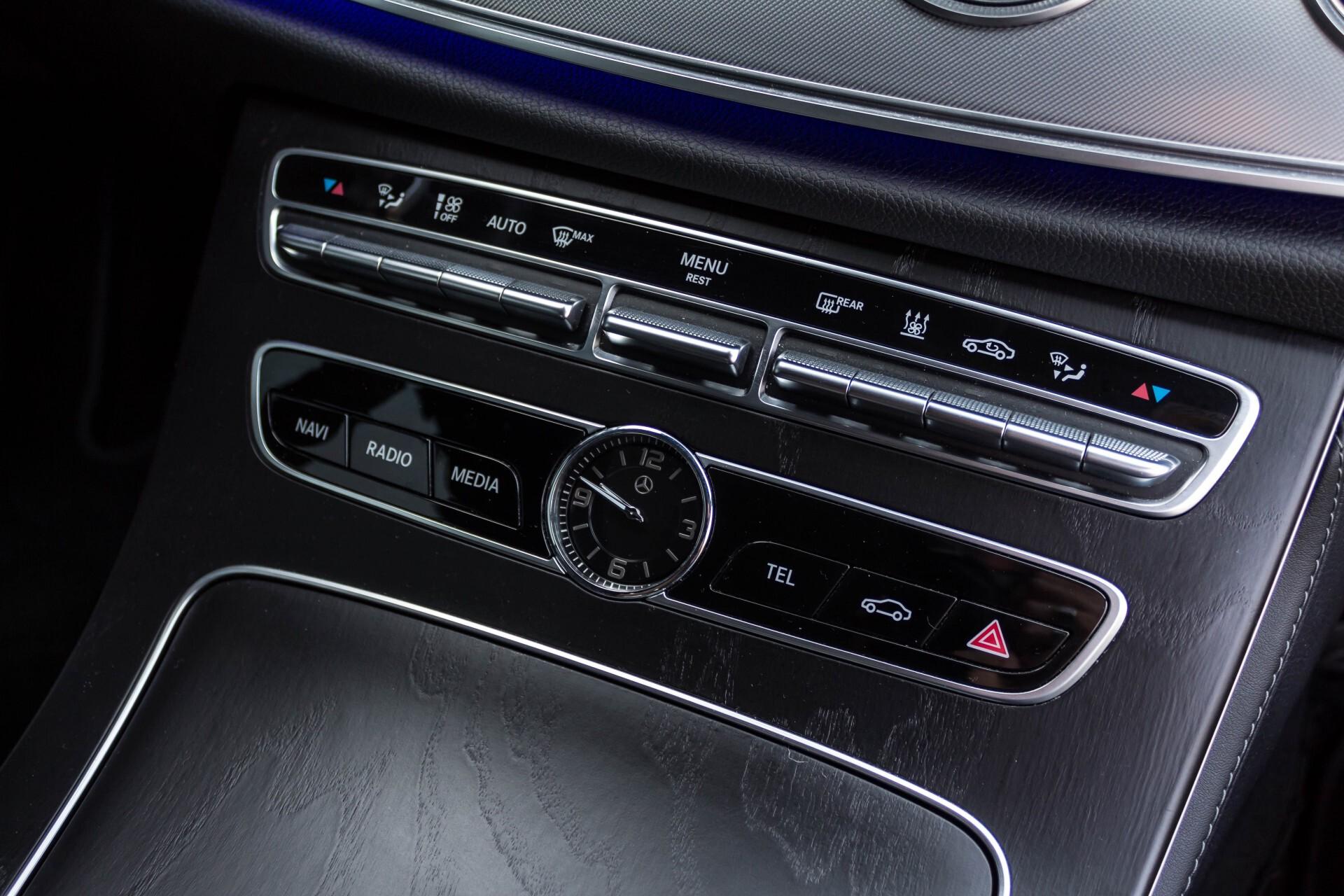 Mercedes-Benz E-Klasse Coupé 300 AMG Luchtvering/Distronic/Keyless/Designo/Burmester/Stoelkoeling Aut7 Foto 20