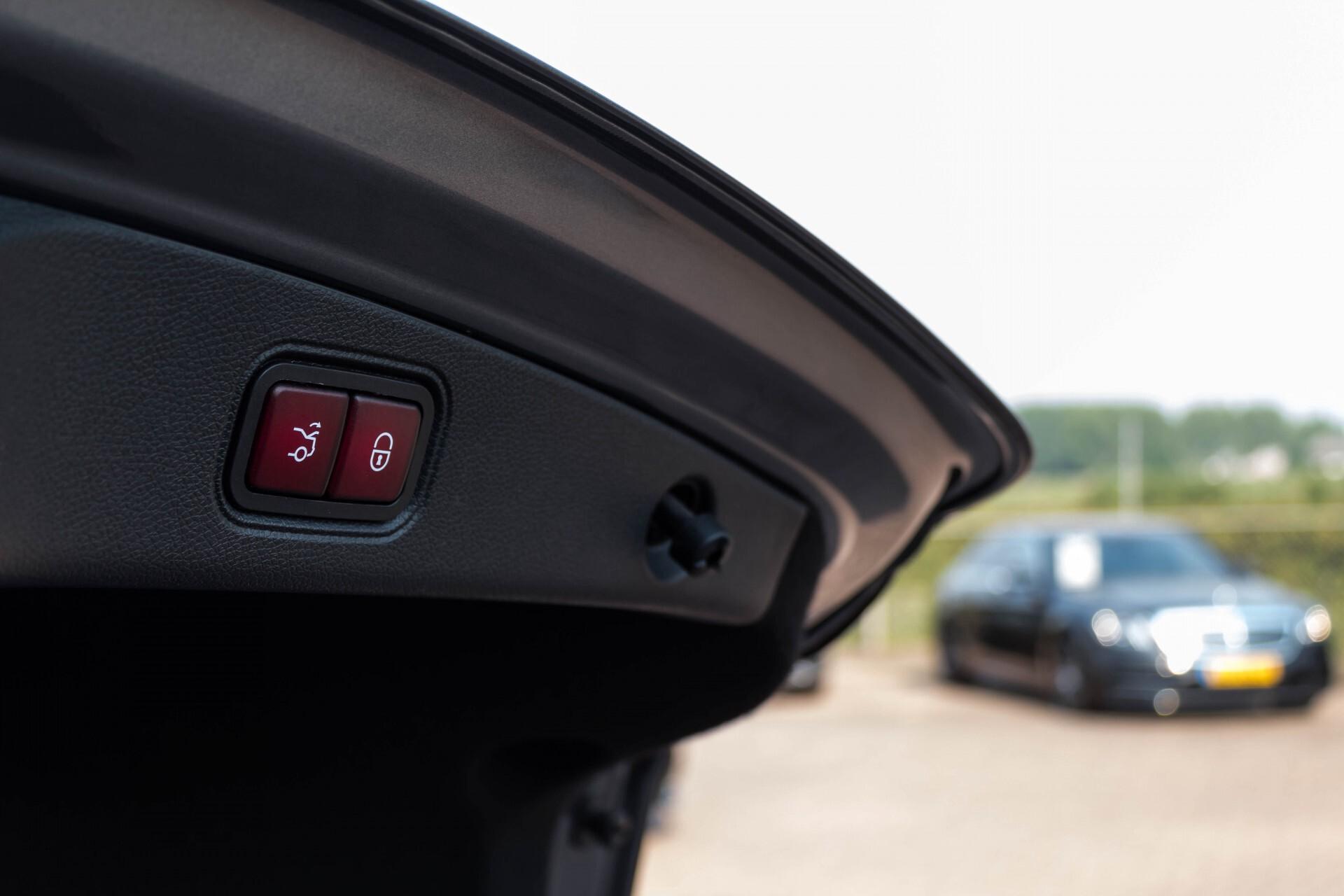 Mercedes-Benz E-Klasse Coupé 300 AMG Luchtvering/Distronic/Keyless/Designo/Burmester/Stoelkoeling Aut7 Foto 54