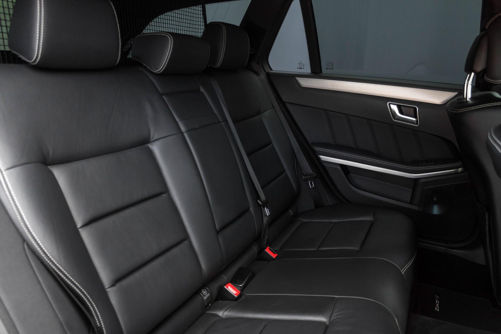 Mercedes-Benz E-Klasse Estate 350 Cdi AMG Luchtvering/Schuifdak/Comand/Harman Kardon/ILS Aut7 Foto 4