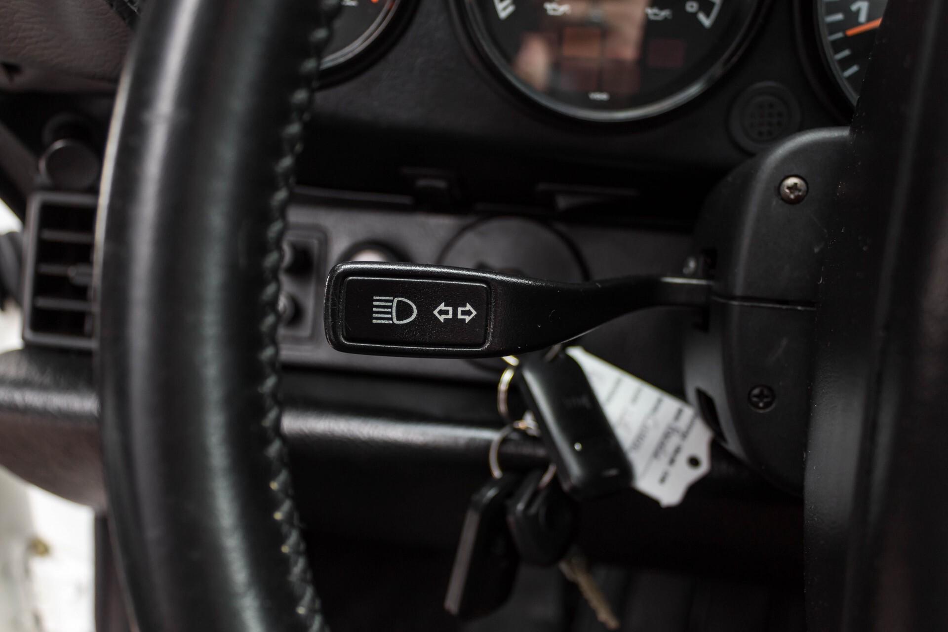 Porsche 911 Cabrio 964 3.6 Carrera 4 Gerestaureerd/Gedocumenteerd/Incl. BTW Foto 11