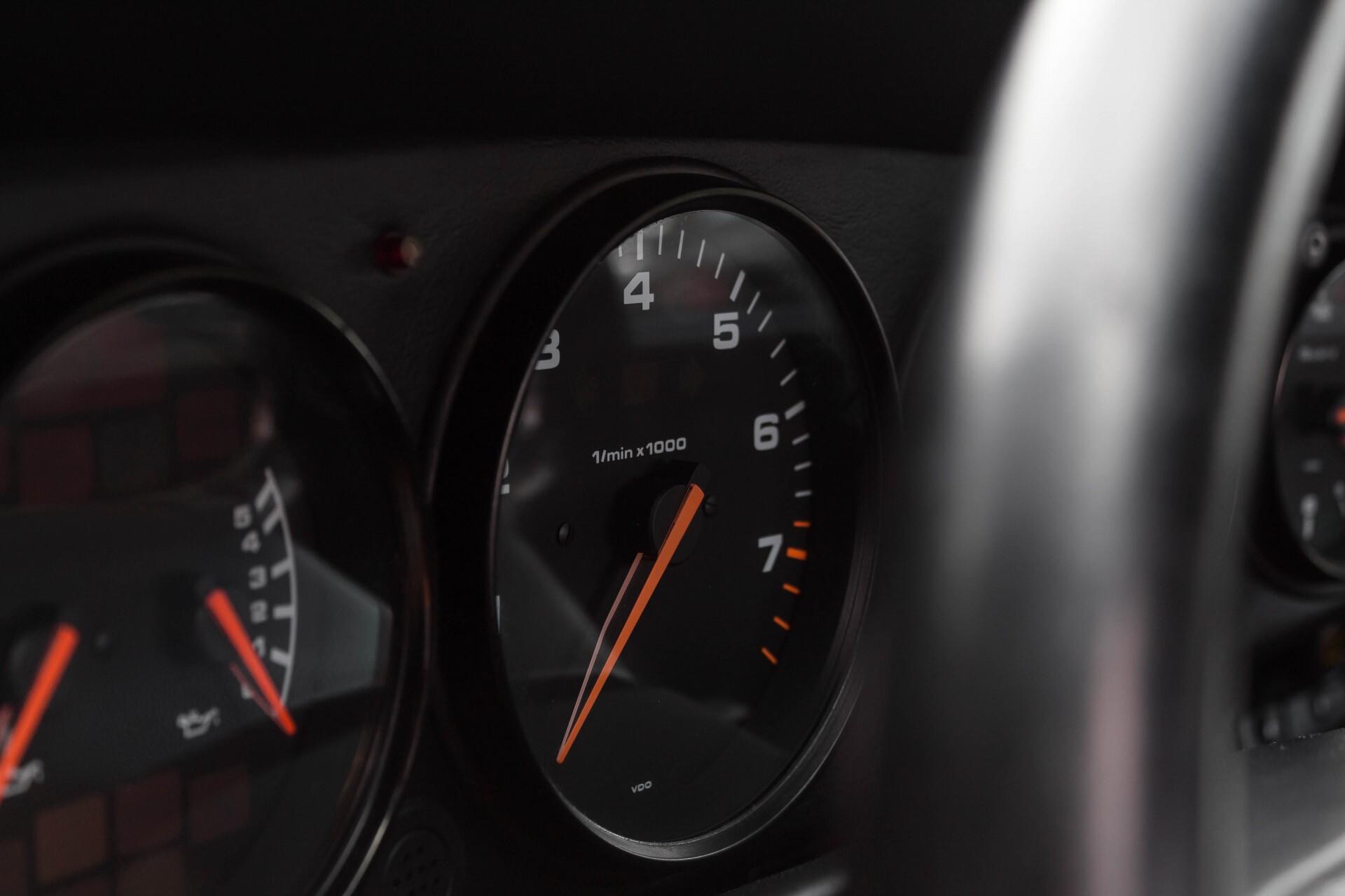 Porsche 911 Cabrio 964 3.6 Carrera 4 Gerestaureerd/Gedocumenteerd/Incl. BTW Foto 16