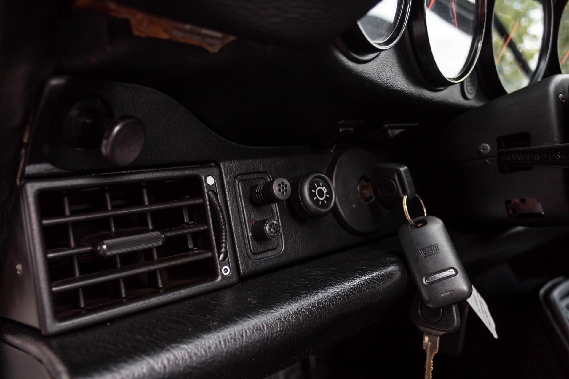 Porsche 911 Cabrio 964 3.6 Carrera 4 Gerestaureerd/Gedocumenteerd/Incl. BTW Foto 25