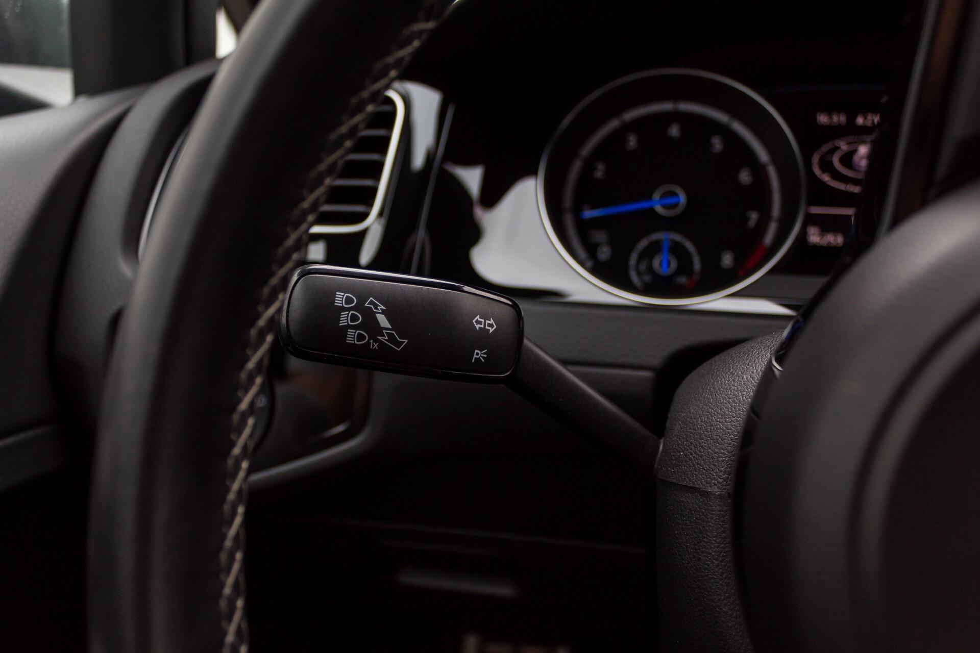 """Volkswagen Golf 2.0 TSI R 4Motion 300 pk Executive Plus/Keyless/DAB/19"""" Foto 10"""