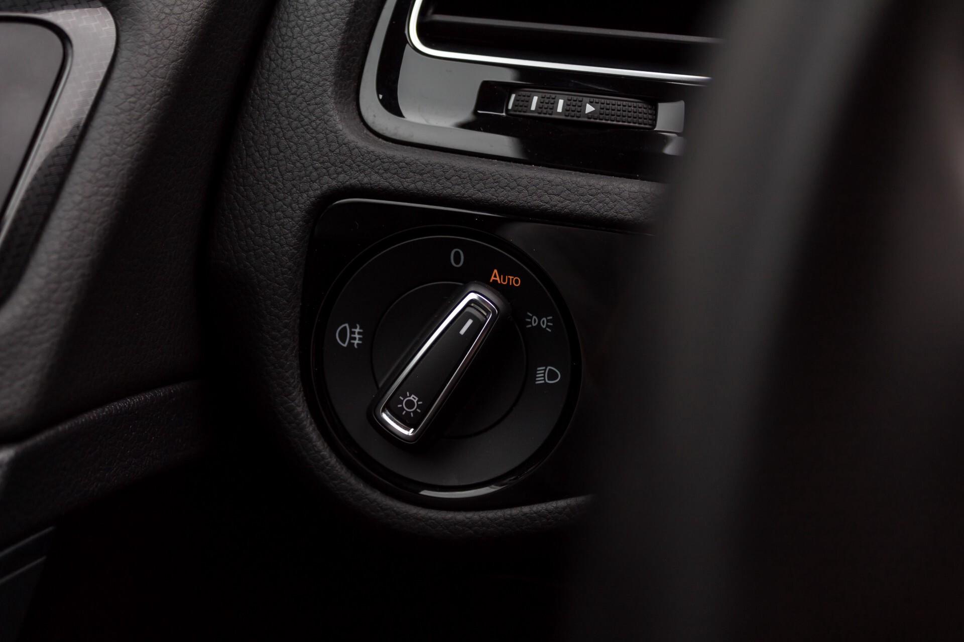 """Volkswagen Golf 2.0 TSI R 4Motion 300 pk Executive Plus/Keyless/DAB/19"""" Foto 15"""