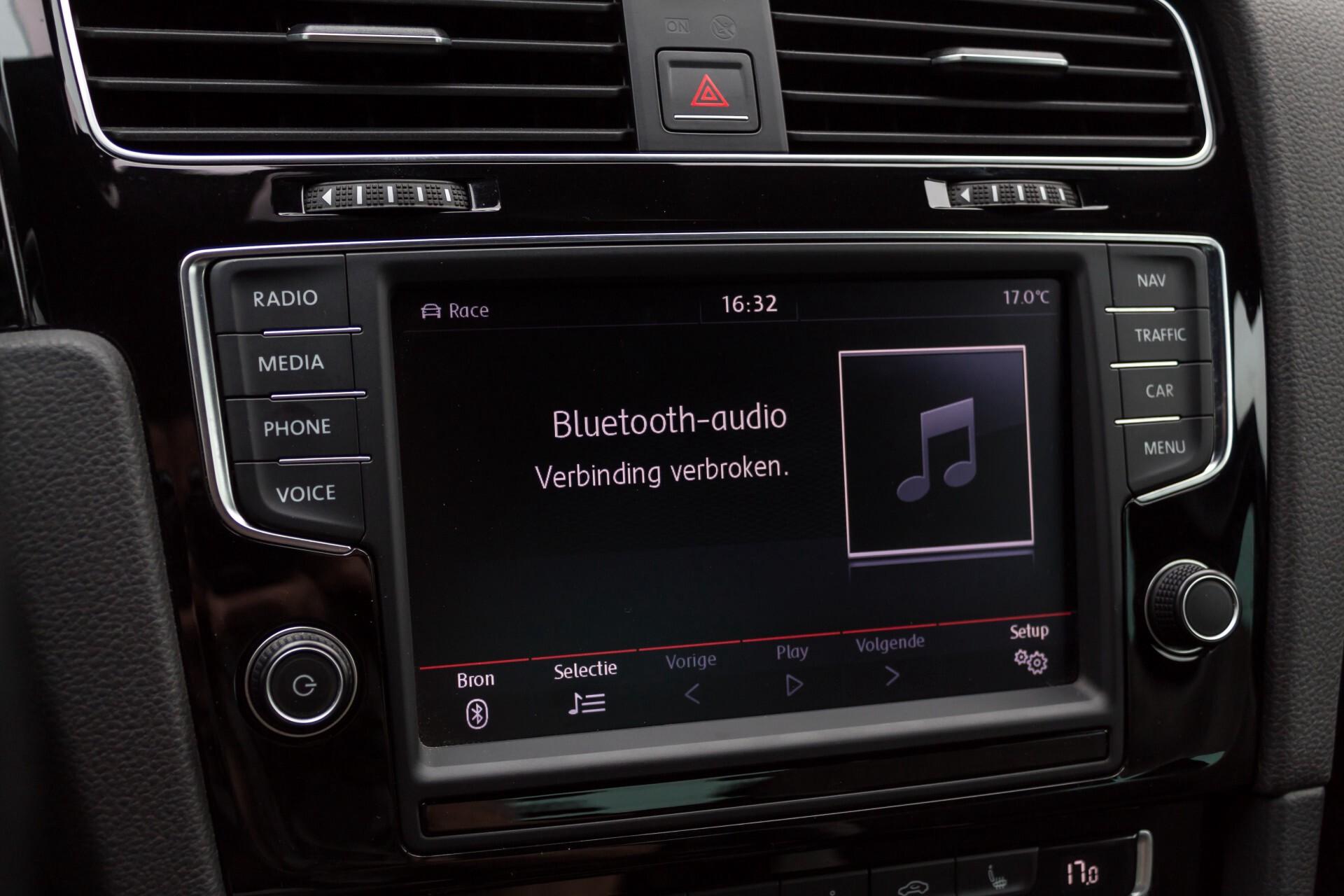 """Volkswagen Golf 2.0 TSI R 4Motion 300 pk Executive Plus/Keyless/DAB/19"""" Foto 16"""