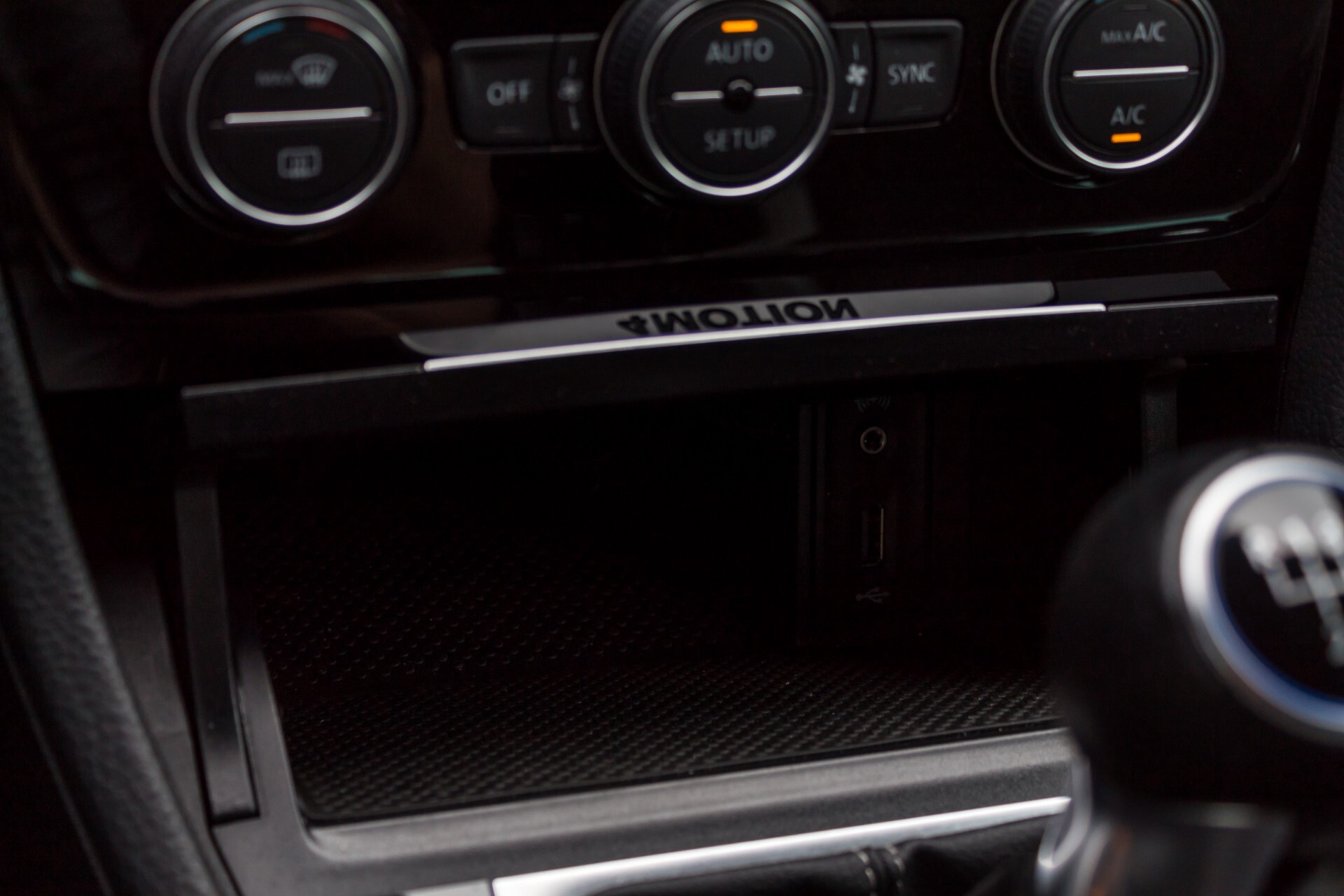 """Volkswagen Golf 2.0 TSI R 4Motion 300 pk Executive Plus/Keyless/DAB/19"""" Foto 21"""