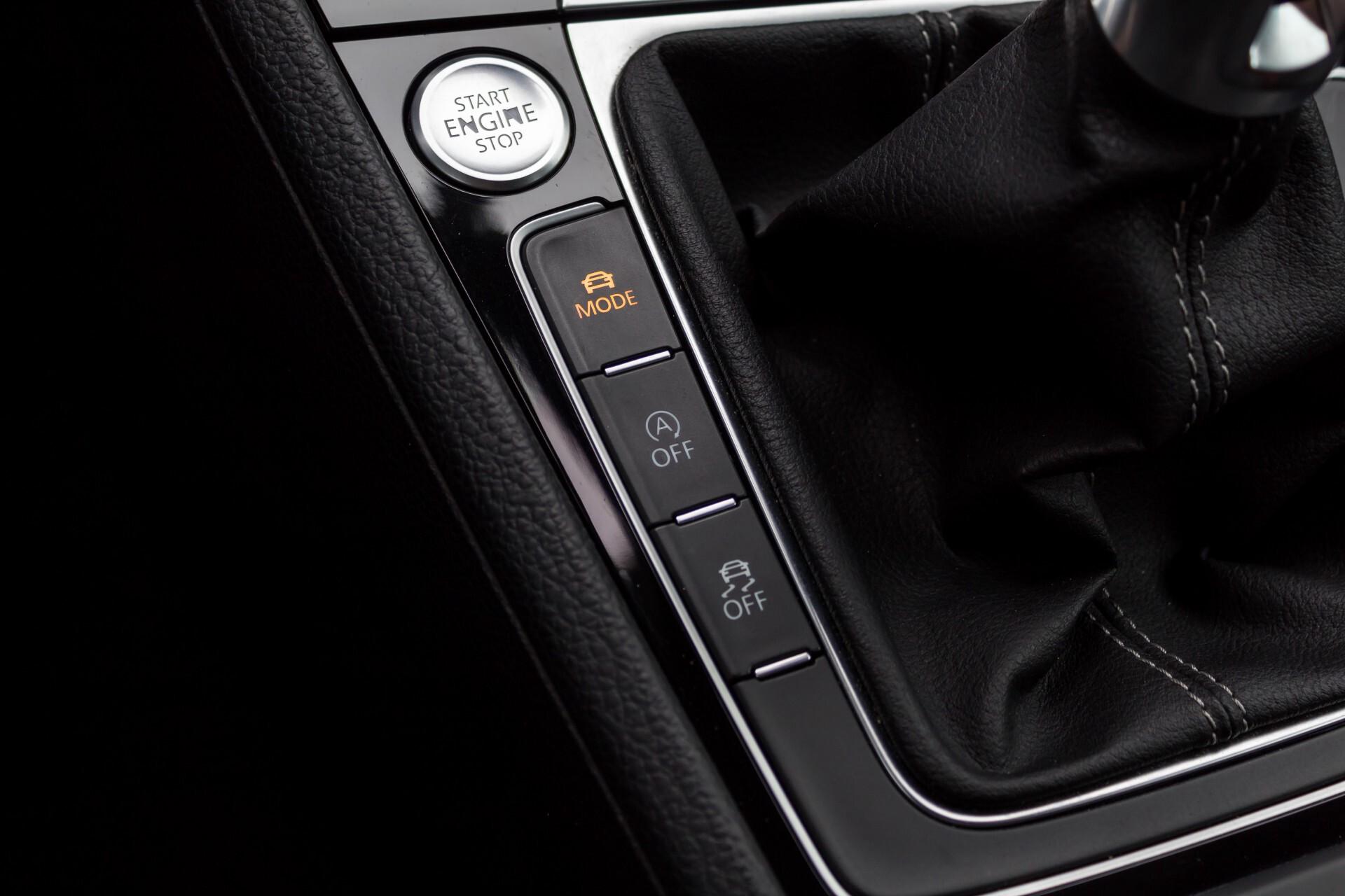 """Volkswagen Golf 2.0 TSI R 4Motion 300 pk Executive Plus/Keyless/DAB/19"""" Foto 23"""