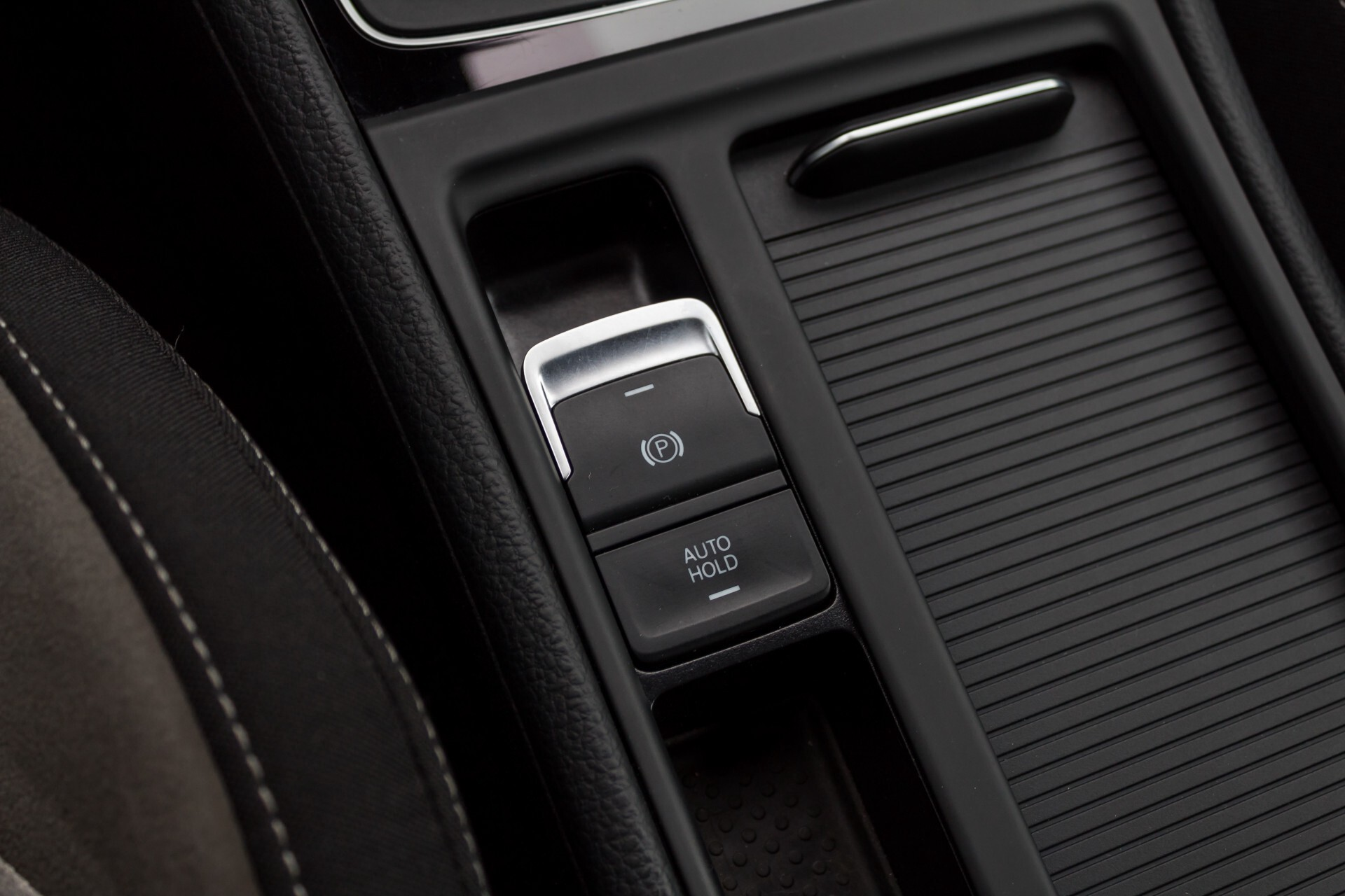 """Volkswagen Golf 2.0 TSI R 4Motion 300 pk Executive Plus/Keyless/DAB/19"""" Foto 27"""