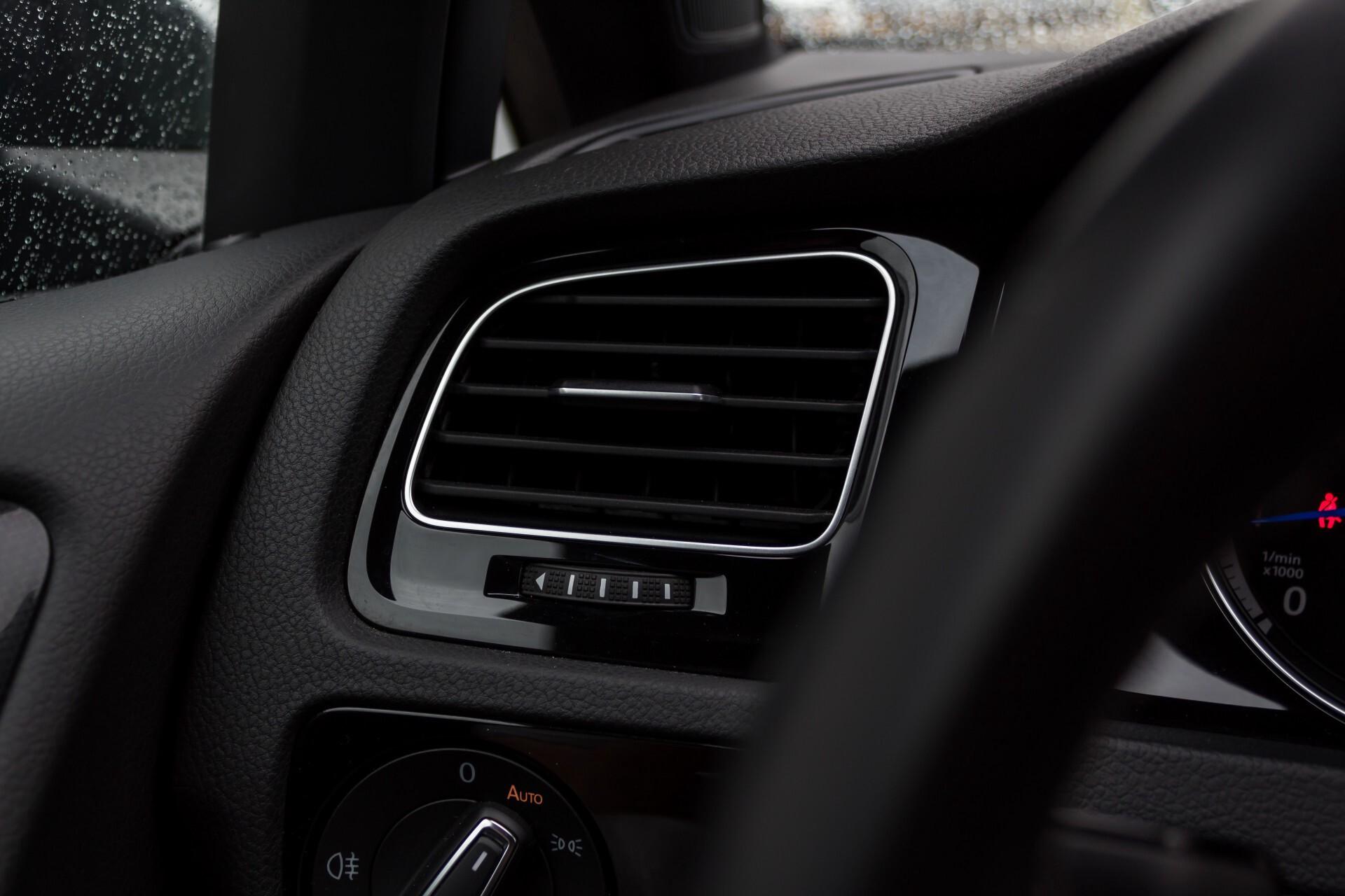 """Volkswagen Golf 2.0 TSI R 4Motion 300 pk Executive Plus/Keyless/DAB/19"""" Foto 32"""