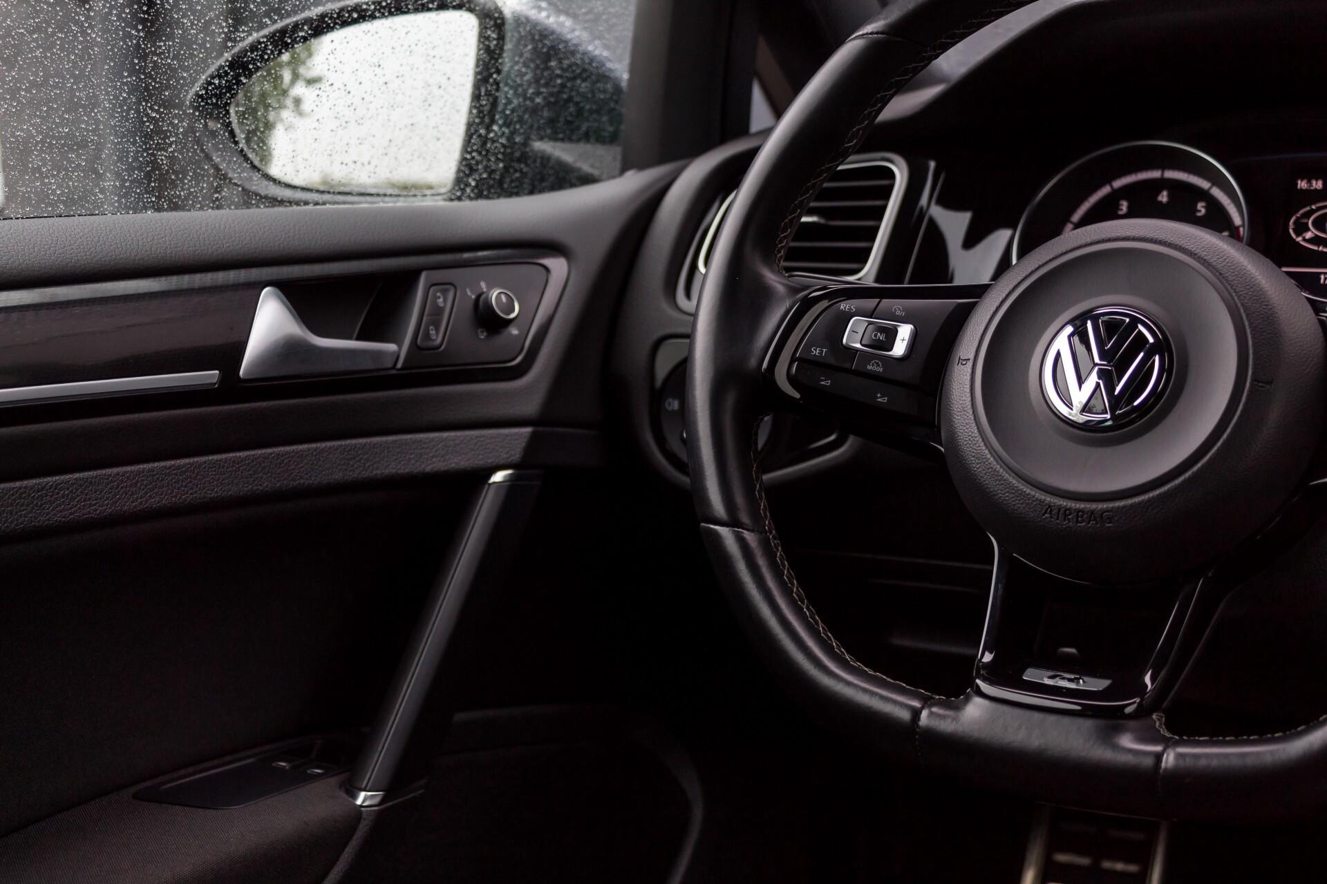 """Volkswagen Golf 2.0 TSI R 4Motion 300 pk Executive Plus/Keyless/DAB/19"""" Foto 33"""