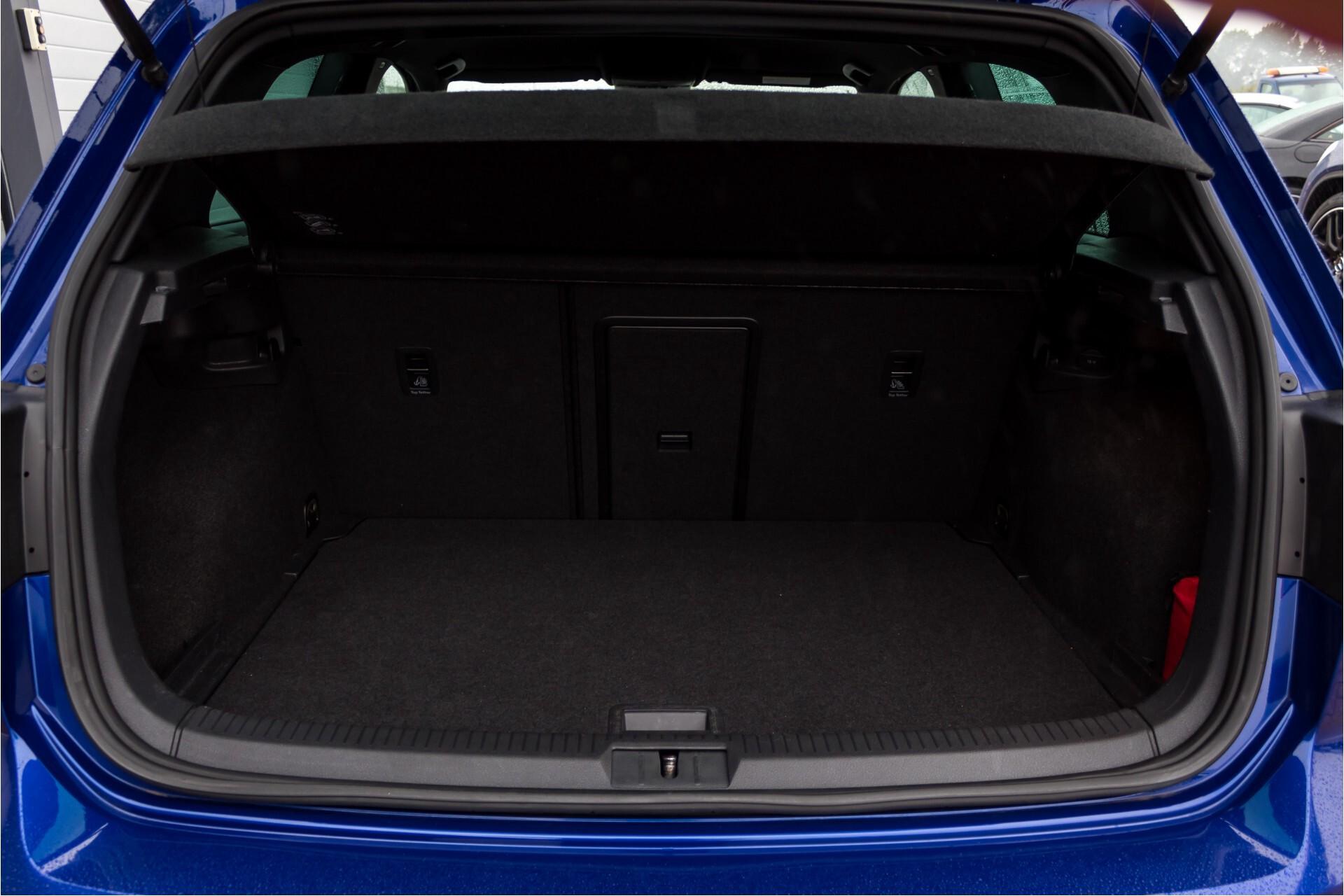 """Volkswagen Golf 2.0 TSI R 4Motion 300 pk Executive Plus/Keyless/DAB/19"""" Foto 35"""