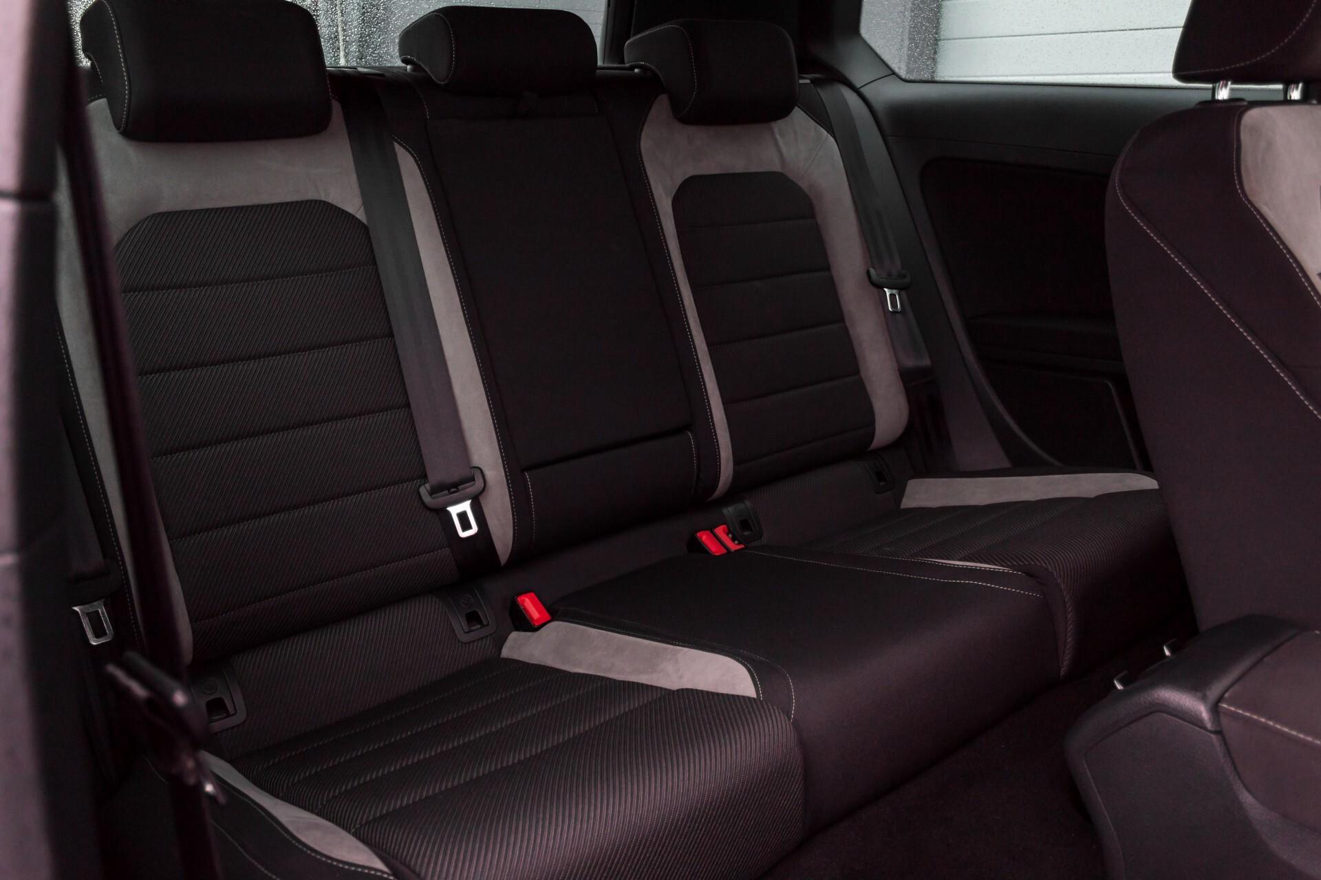 """Volkswagen Golf 2.0 TSI R 4Motion 300 pk Executive Plus/Keyless/DAB/19"""" Foto 4"""