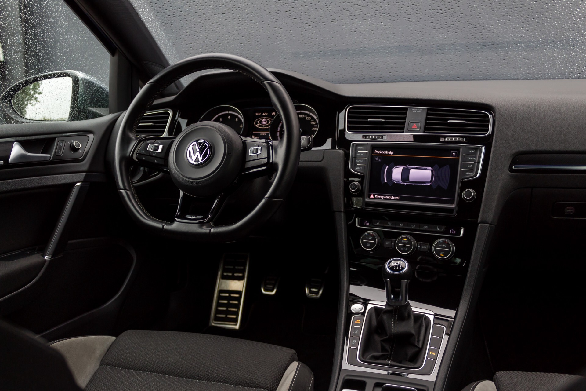 """Volkswagen Golf 2.0 TSI R 4Motion 300 pk Executive Plus/Keyless/DAB/19"""" Foto 6"""