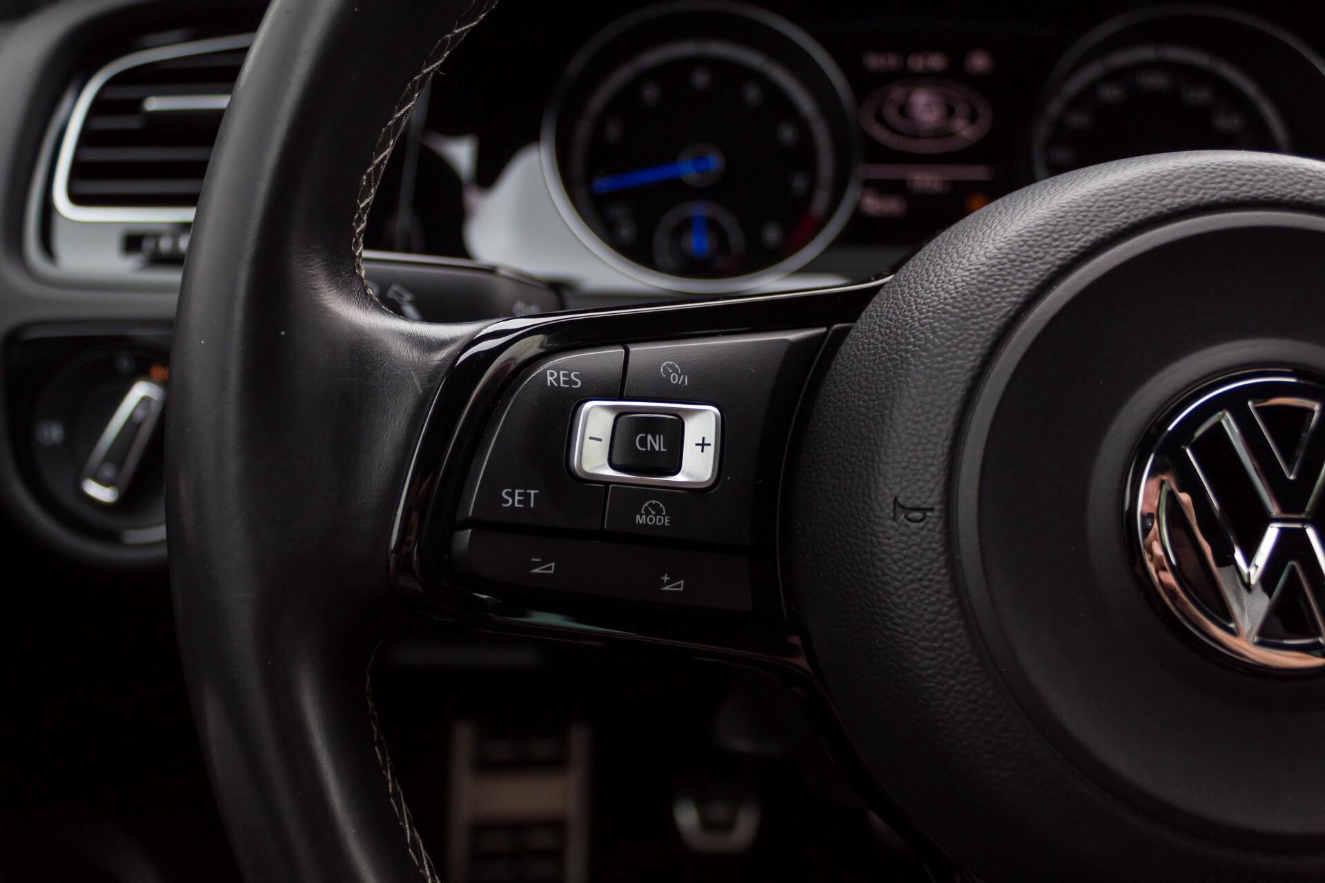 """Volkswagen Golf 2.0 TSI R 4Motion 300 pk Executive Plus/Keyless/DAB/19"""" Foto 9"""