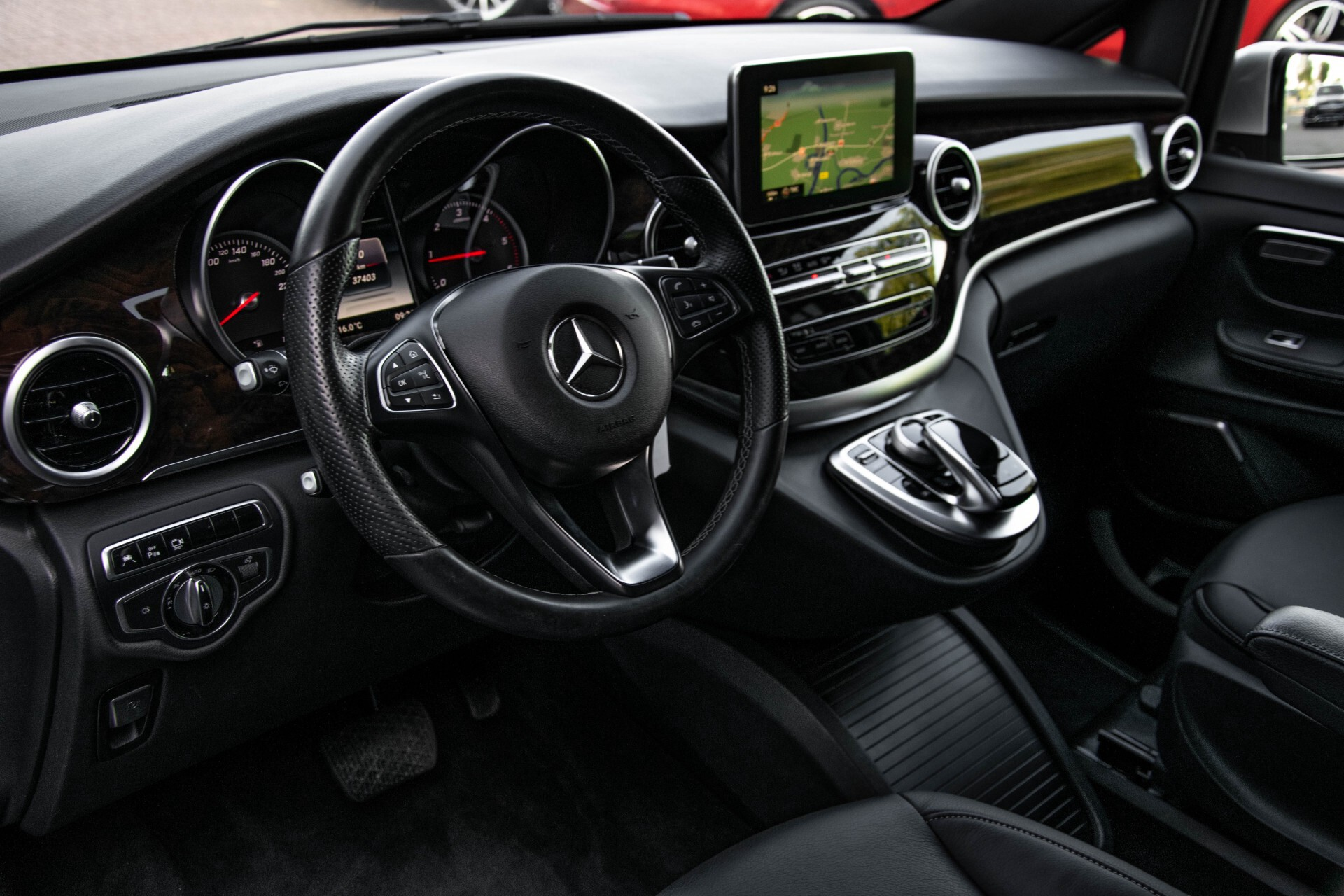 Mercedes-Benz V-Klasse 220d Extra Lang 8-Persoons Avantgarde Edition Burmester/360camera/spoorpakket/ILS Aut7 Foto 16