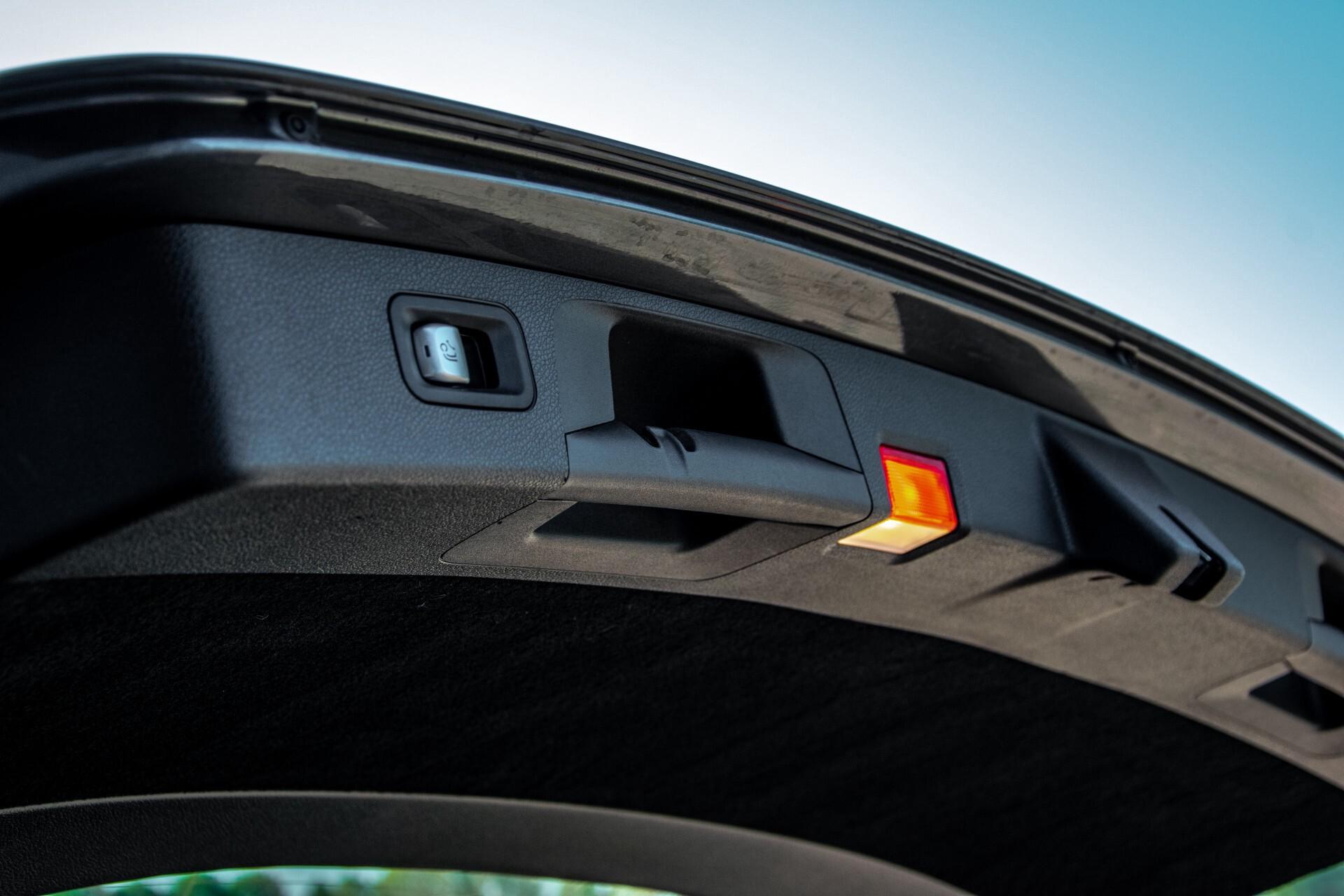 Mercedes-Benz E-Klasse Estate 450 4-M AMG Night Panorama/Rij-assist/Burmester/Mem/360/Widescreen Aut9 Foto 46