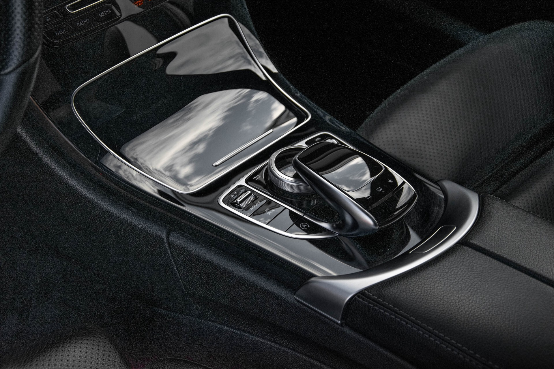 Mercedes-Benz C-Klasse Estate 200 Bluetec Avantgarde Leder/Panorama/Navi/Wegkl-trekhaak Aut7 Foto 23