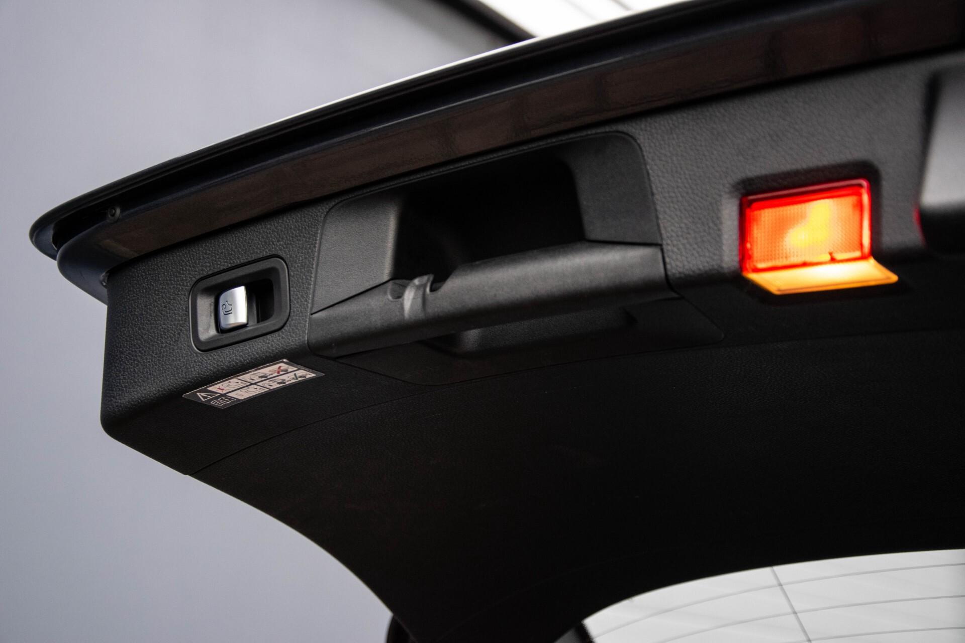 Mercedes-Benz C-Klasse Estate 200 Bluetec Avantgarde Leder/Panorama/Navi/Wegkl-trekhaak Aut7 Foto 46