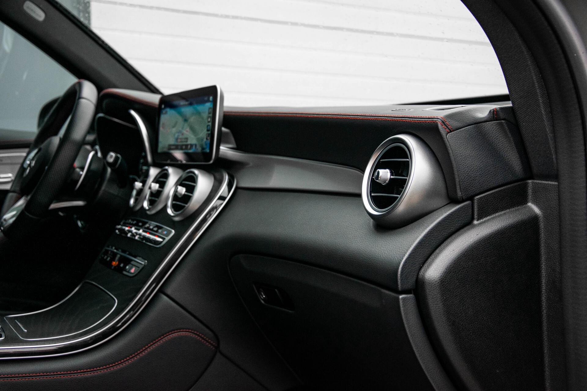 "Mercedes-Benz GLC 43 AMG 4M Night Pano/Sportuitlaat/Keyless/Distronic/Widescreen/MBUX/Burmester/21""/Trekhaak Aut9 Foto 18"