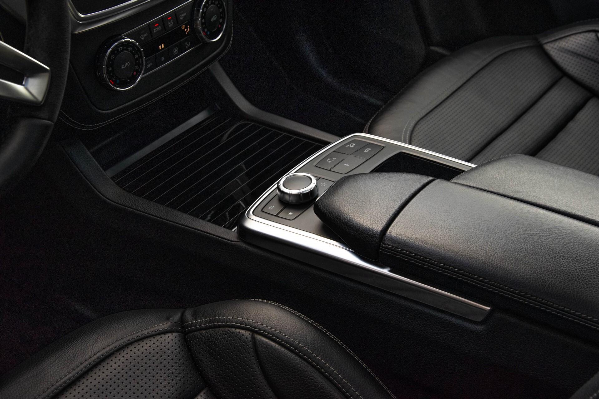 Mercedes-Benz M-Klasse 63 AMG Performance 4-M Panorama/Standkachel/Camera/Active Curve System/Harman-Kardon Aut7 Foto 26