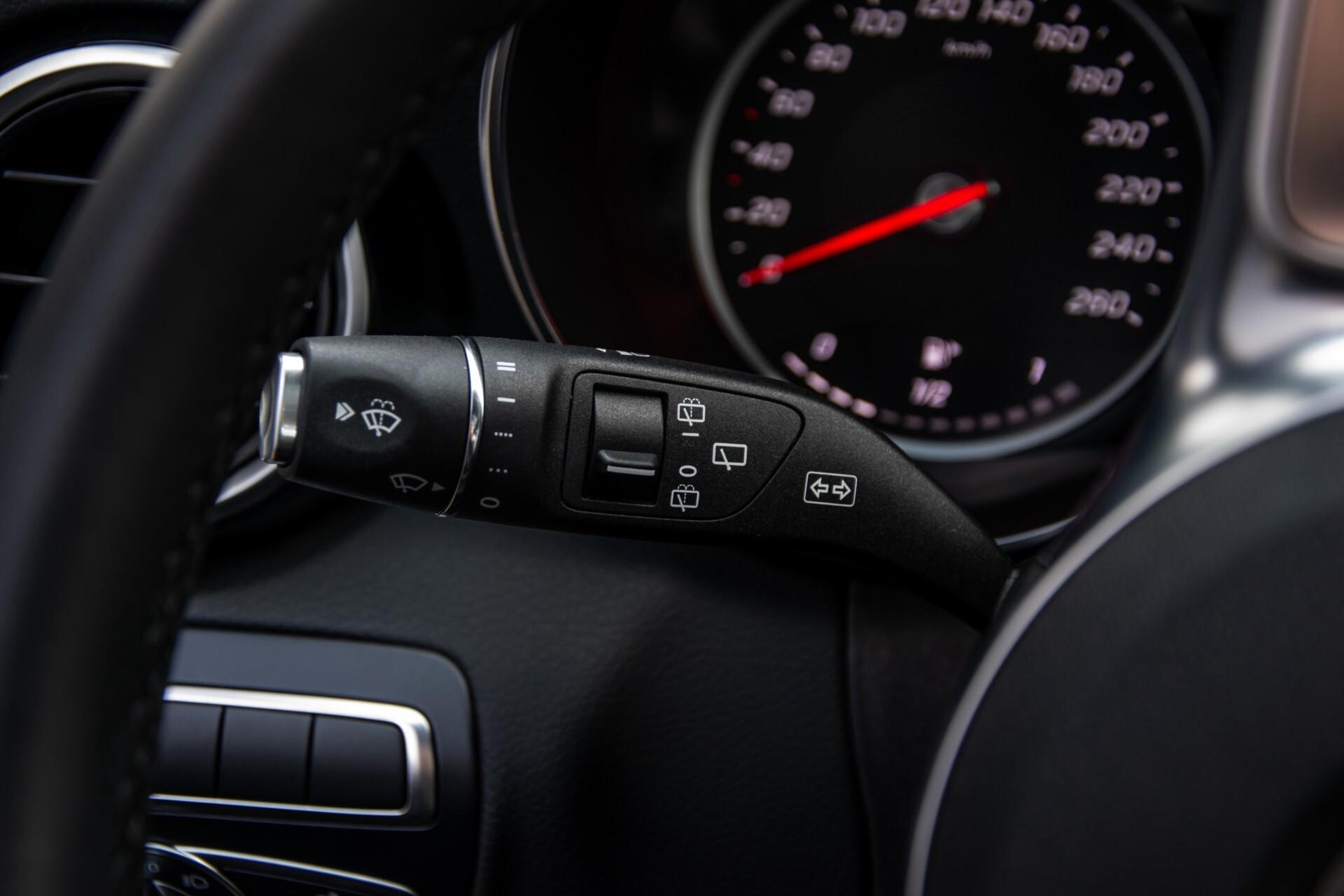 Mercedes-Benz C-Klasse Estate 220 d AMG Panorama/Assistentiepakket/Wegkl-trekhaak/DAB/Ambient/Leer/MULTIBEAM Aut9 Foto 11