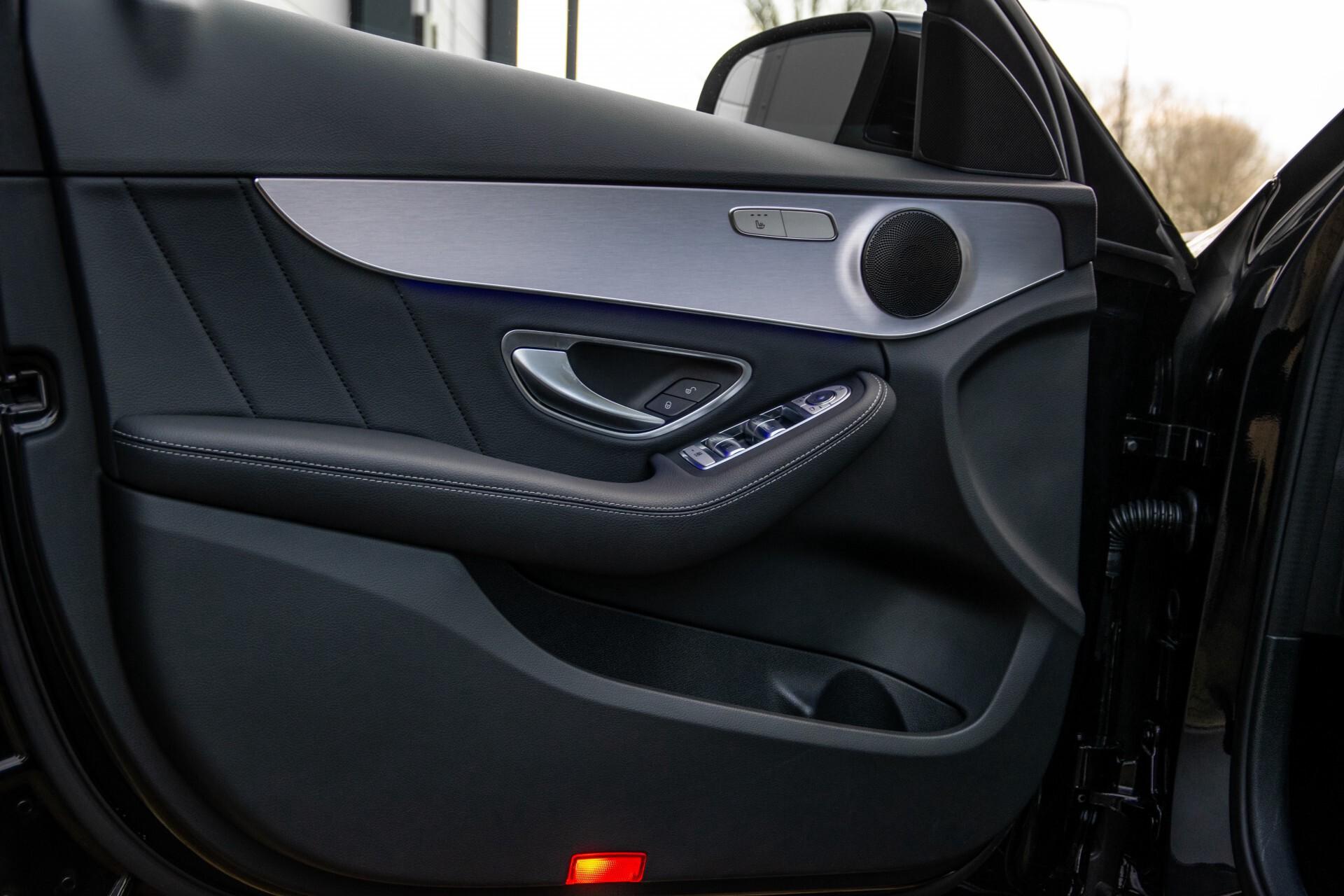 Mercedes-Benz C-Klasse Estate 220 d AMG Panorama/Assistentiepakket/Wegkl-trekhaak/DAB/Ambient/Leer/MULTIBEAM Aut9 Foto 18