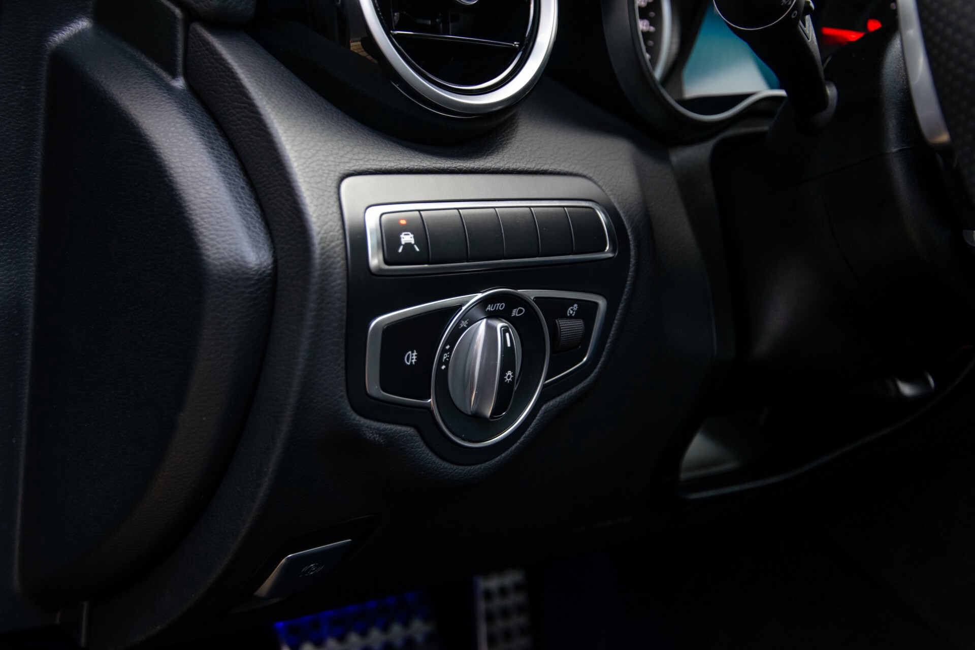 Mercedes-Benz C-Klasse Estate 220 d AMG Panorama/Assistentiepakket/Wegkl-trekhaak/DAB/Ambient/Leer/MULTIBEAM Aut9 Foto 23