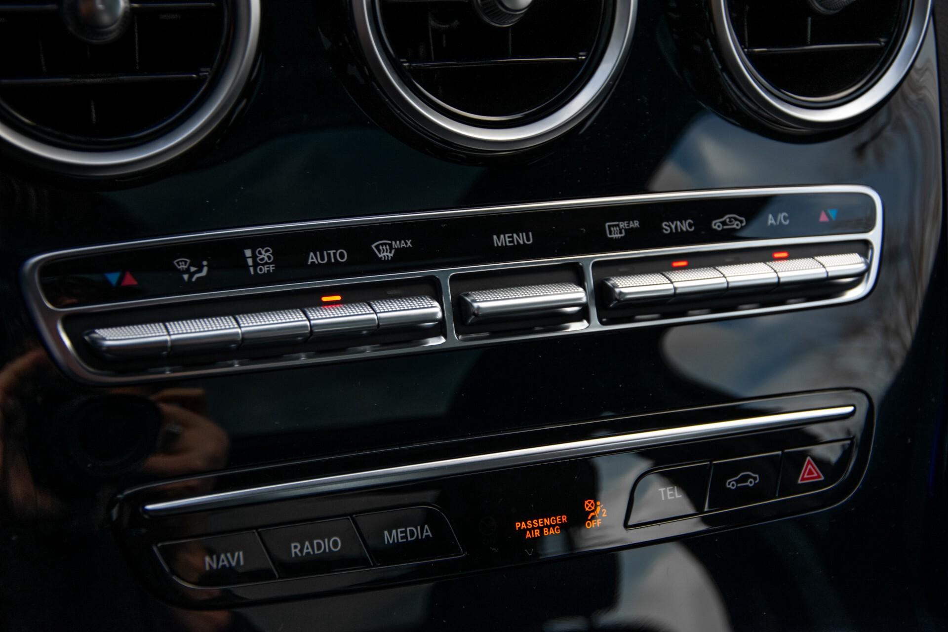 Mercedes-Benz C-Klasse Estate 220 d AMG Panorama/Assistentiepakket/Wegkl-trekhaak/DAB/Ambient/Leer/MULTIBEAM Aut9 Foto 29