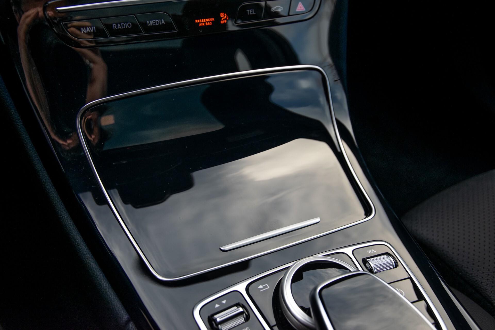 Mercedes-Benz C-Klasse Estate 220 d AMG Panorama/Assistentiepakket/Wegkl-trekhaak/DAB/Ambient/Leer/MULTIBEAM Aut9 Foto 31