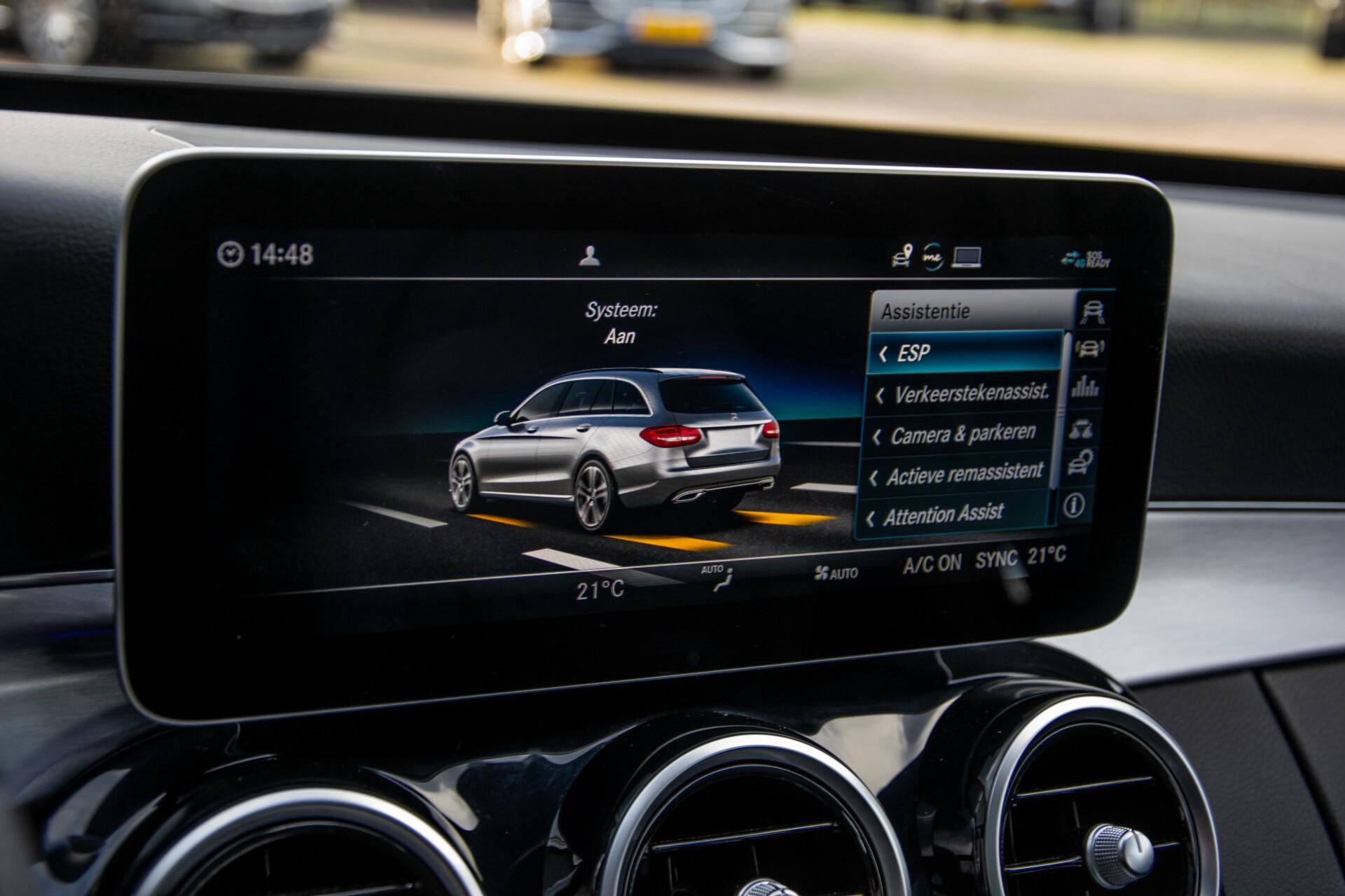 Mercedes-Benz C-Klasse Estate 220 d AMG Panorama/Assistentiepakket/Wegkl-trekhaak/DAB/Ambient/Leer/MULTIBEAM Aut9 Foto 34