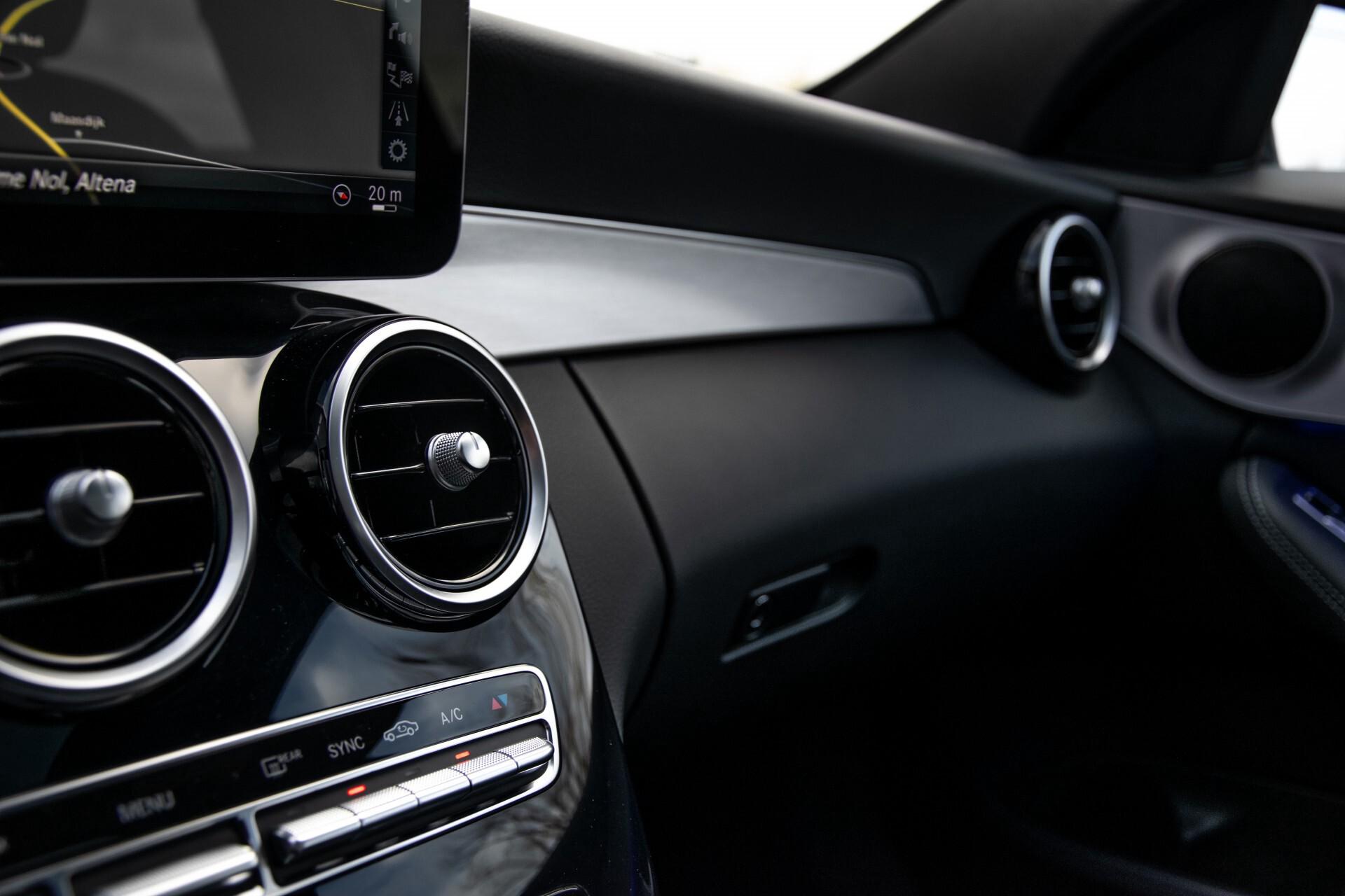 Mercedes-Benz C-Klasse Estate 220 d AMG Panorama/Assistentiepakket/Wegkl-trekhaak/DAB/Ambient/Leer/MULTIBEAM Aut9 Foto 35
