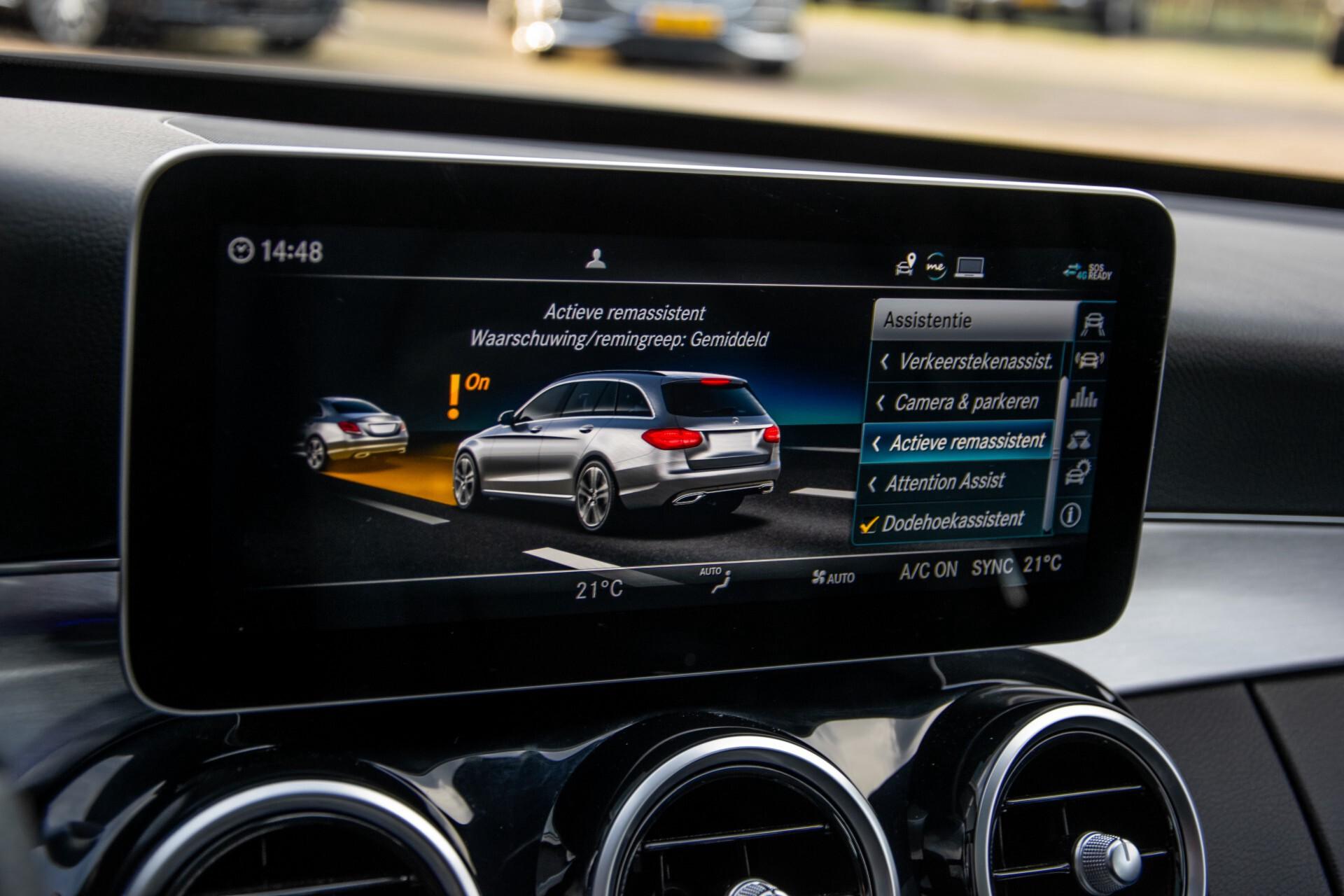 Mercedes-Benz C-Klasse Estate 220 d AMG Panorama/Assistentiepakket/Wegkl-trekhaak/DAB/Ambient/Leer/MULTIBEAM Aut9 Foto 36