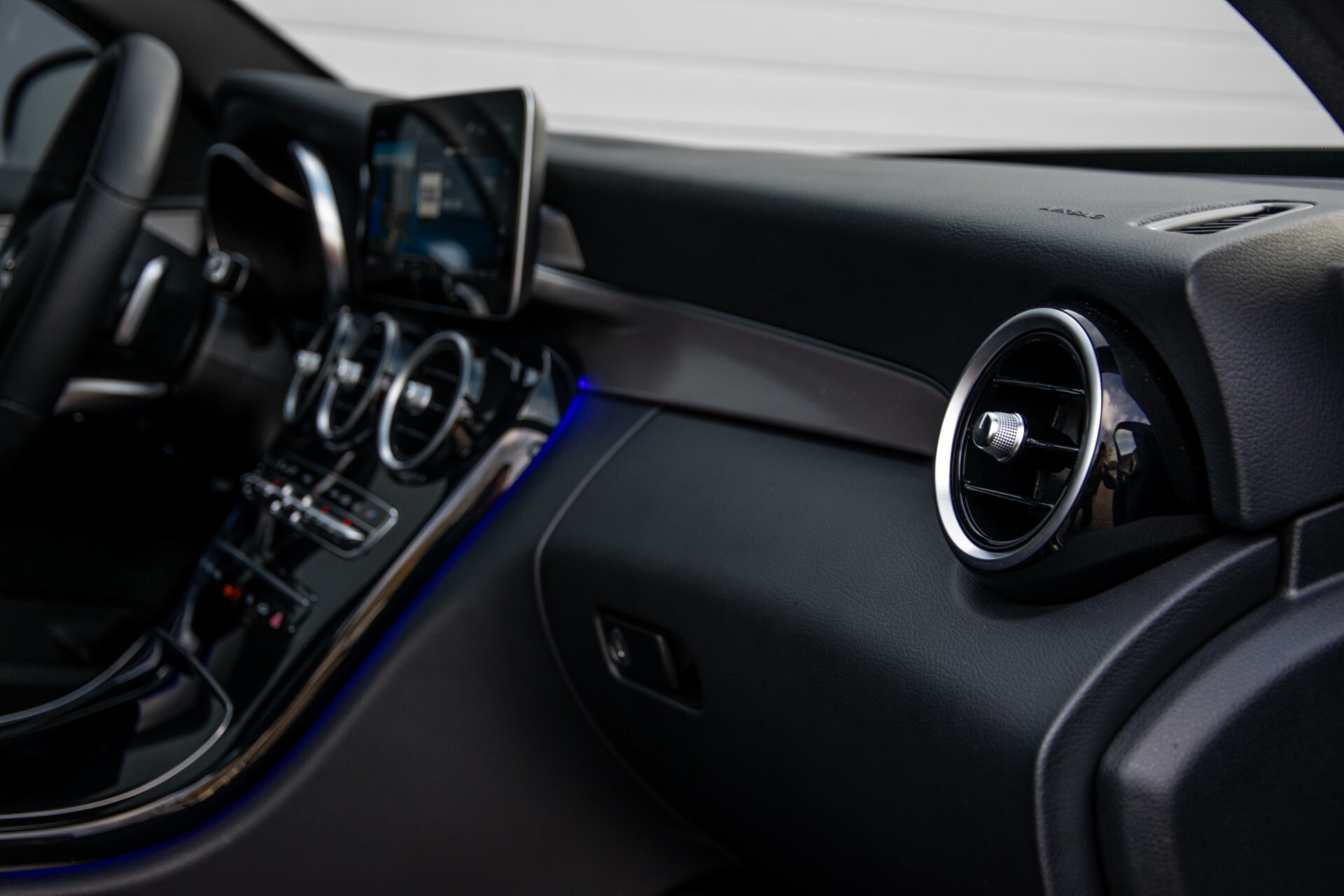 Mercedes-Benz C-Klasse Estate 220 d AMG Panorama/Assistentiepakket/Wegkl-trekhaak/DAB/Ambient/Leer/MULTIBEAM Aut9 Foto 39