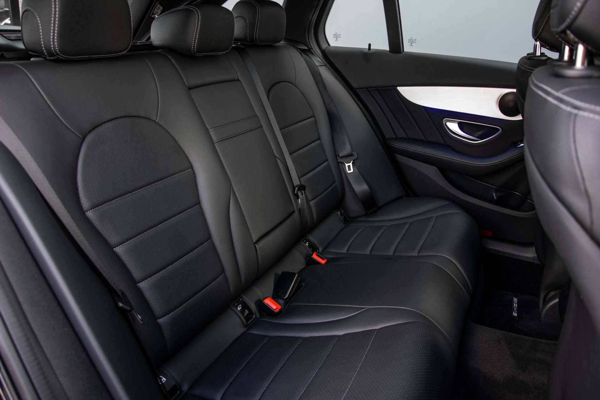 Mercedes-Benz C-Klasse Estate 220 d AMG Panorama/Assistentiepakket/Wegkl-trekhaak/DAB/Ambient/Leer/MULTIBEAM Aut9 Foto 5